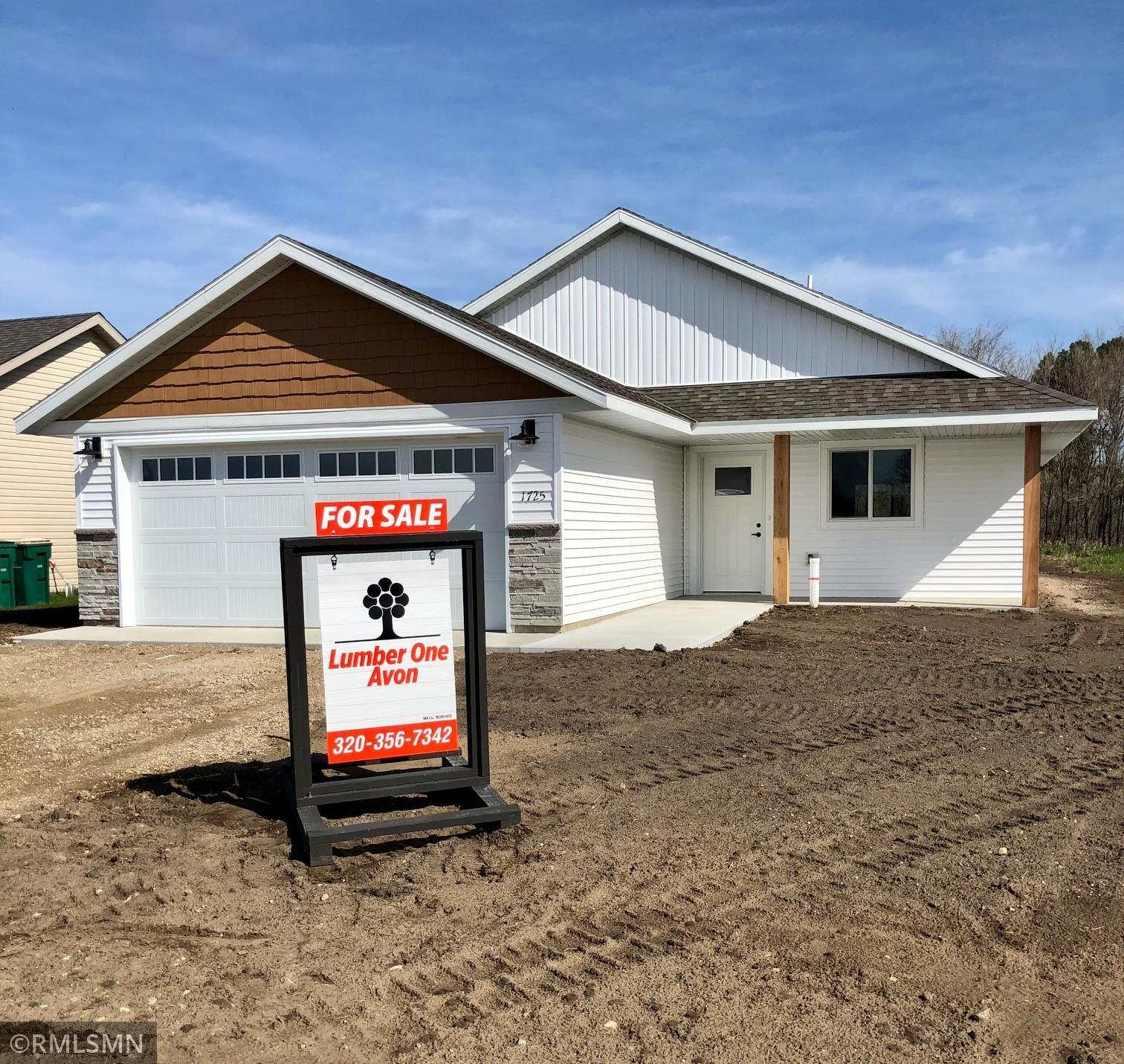1725 Maple Leaf Lane Property Photo - Litchfield, MN real estate listing