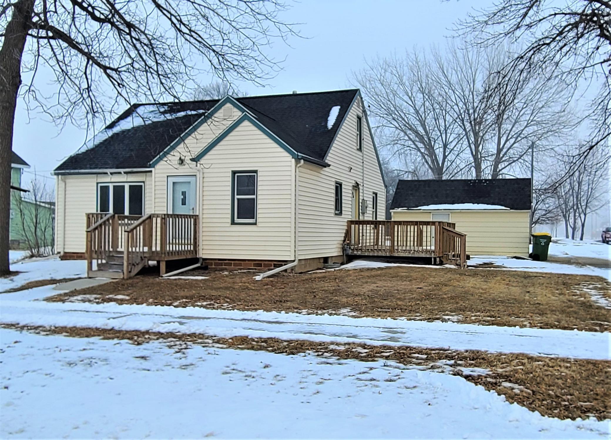 123 6th Avenue SE Property Photo - Pipestone, MN real estate listing