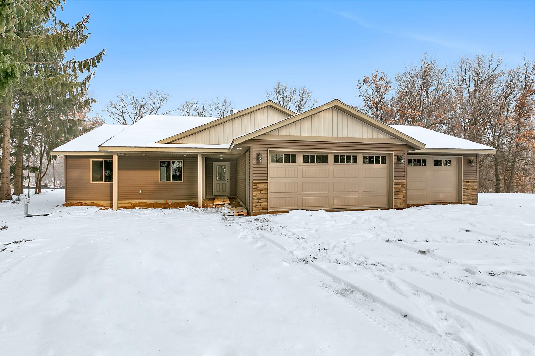 813 N Evergreen Street Property Photo - Royalton, MN real estate listing