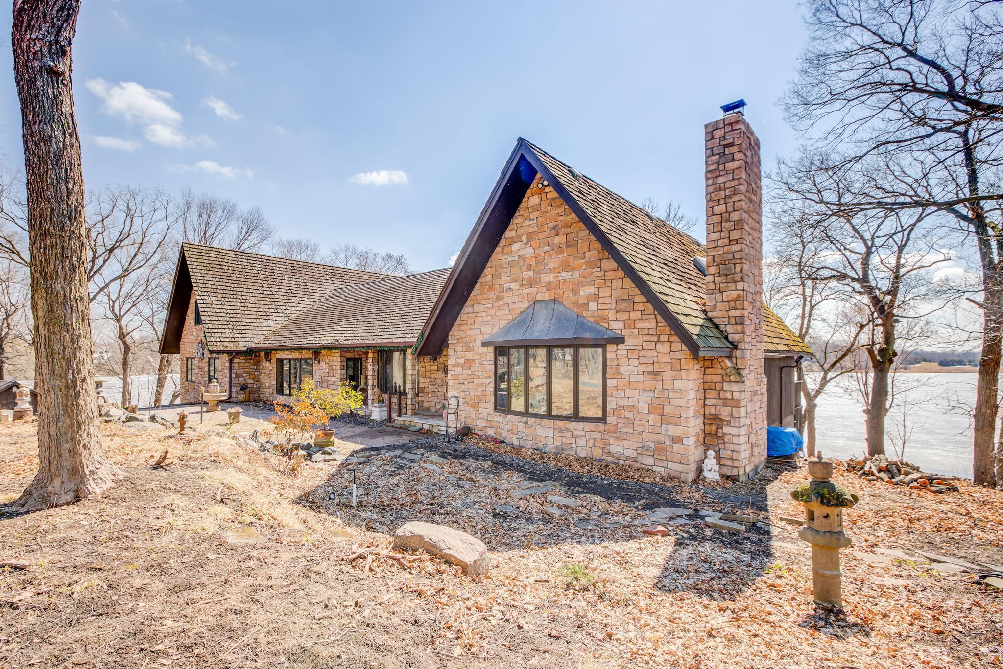 55357 Real Estate Listings Main Image