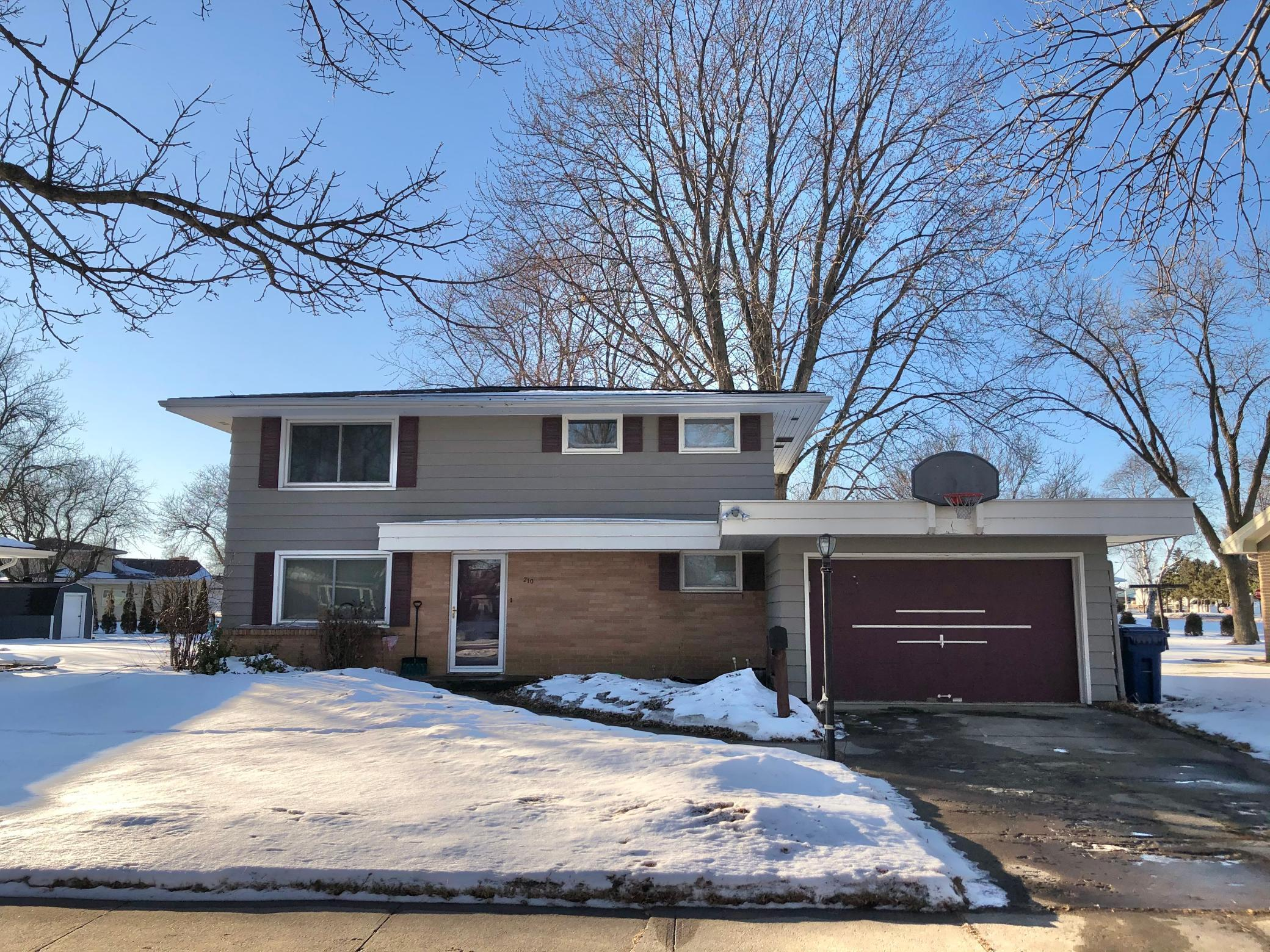 210 S Paffrath Avenue Property Photo - Springfield, MN real estate listing