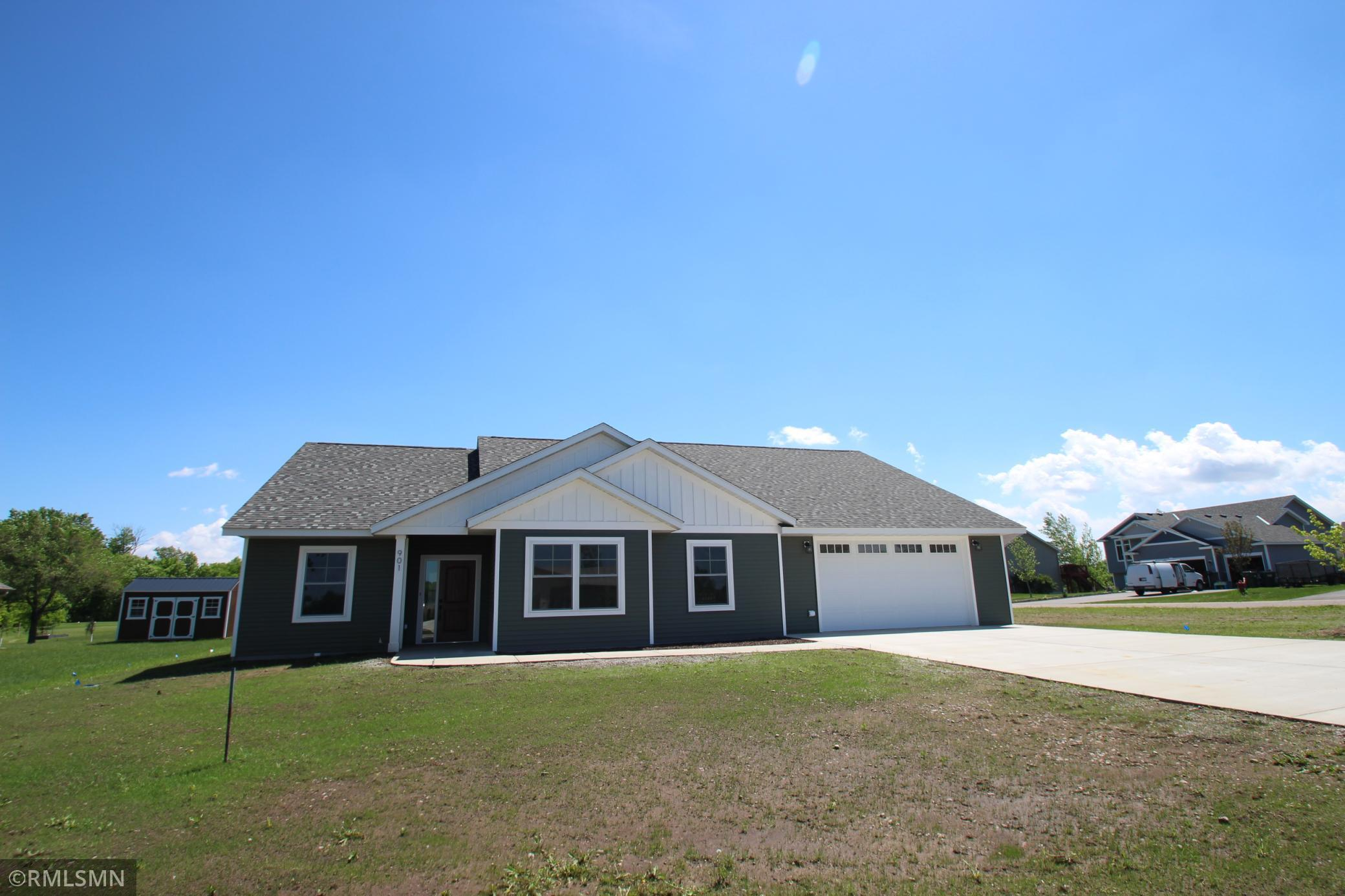 901 Palm Circle Property Photo - Annandale, MN real estate listing