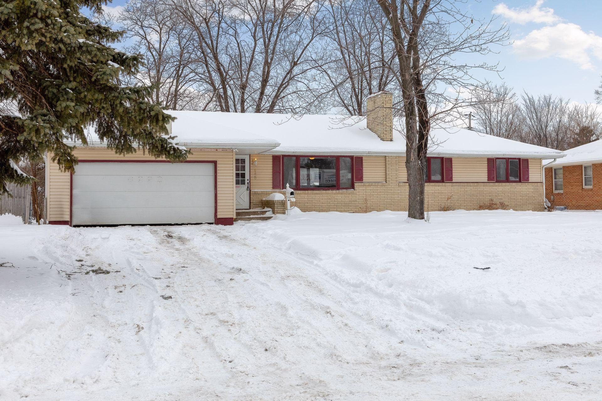6220 Bryant Avenue N Property Photo - Brooklyn Center, MN real estate listing