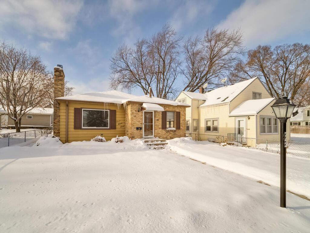242 6th Avenue N Property Photo - Hopkins, MN real estate listing
