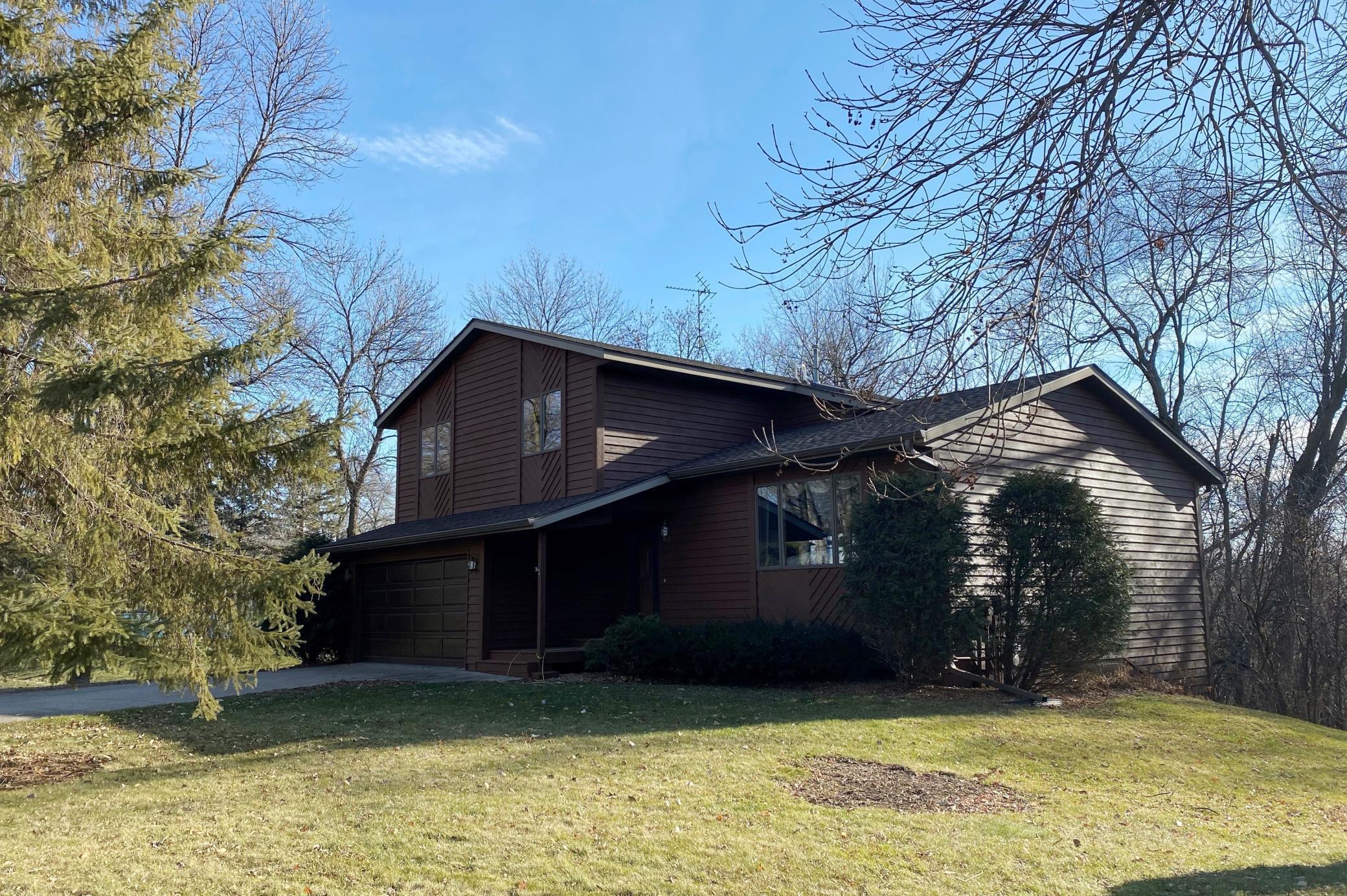 955 Ridgewood Place NE Property Photo - Owatonna, MN real estate listing