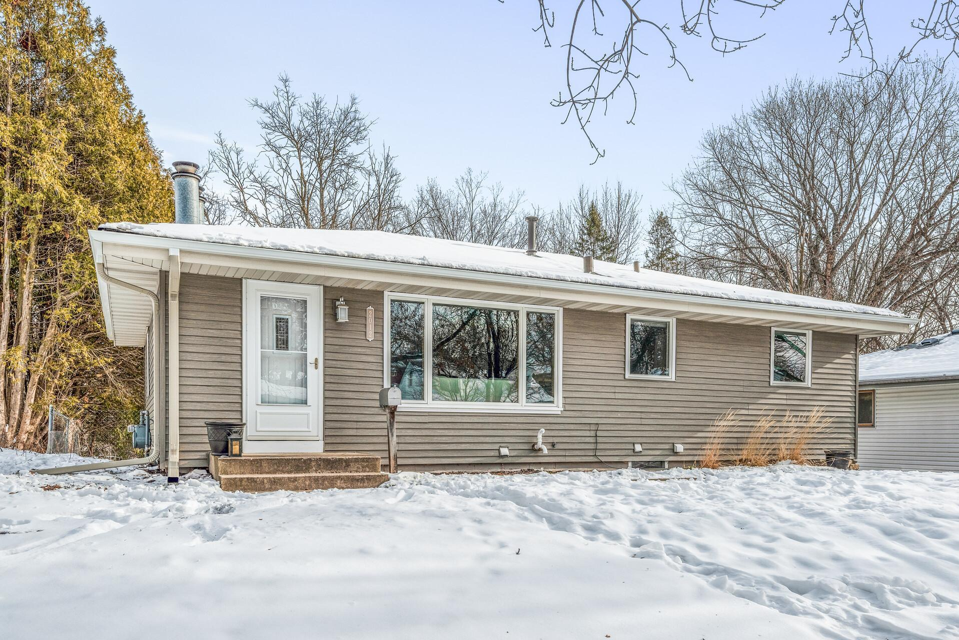2012 Gettysburg Avenue N Property Photo - Golden Valley, MN real estate listing