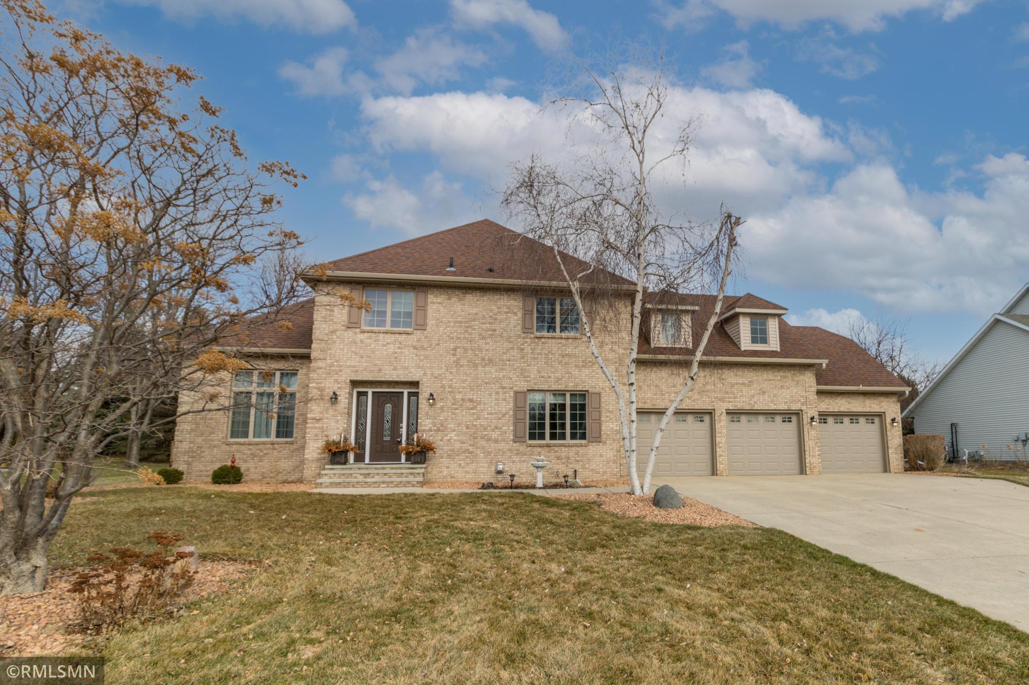 3208 Eagle Ridge Drive E Property Photo - Willmar, MN real estate listing