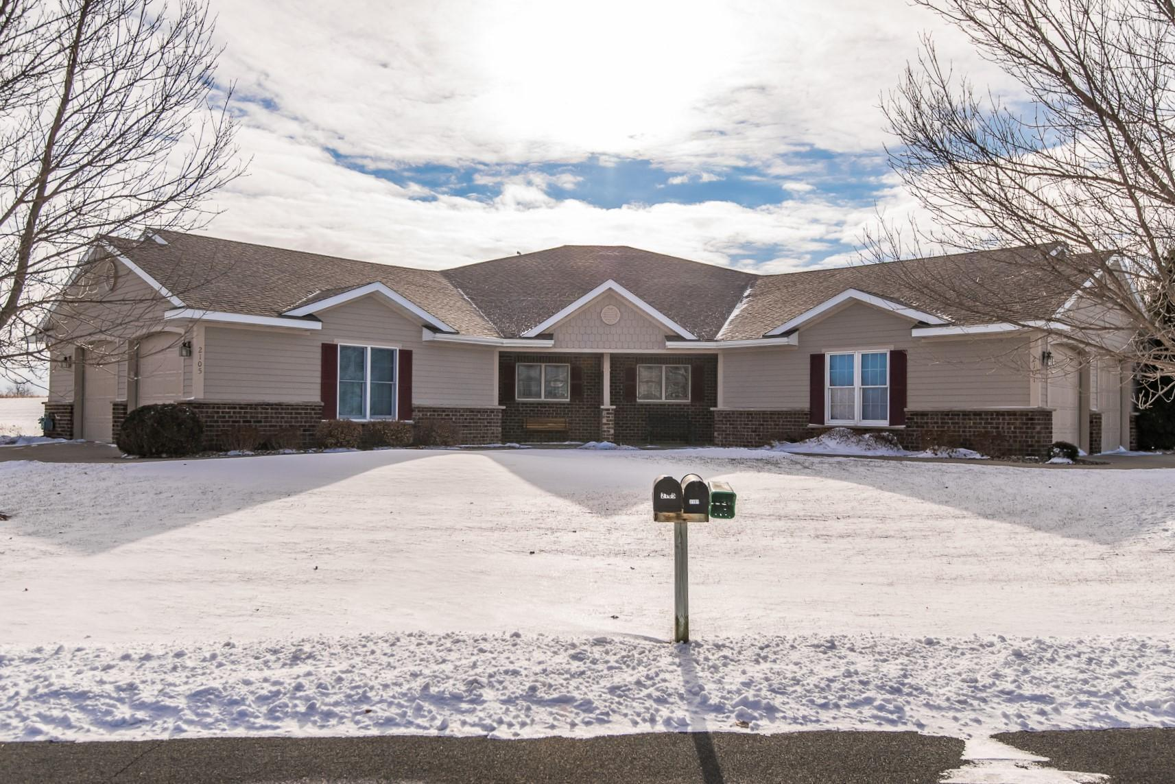 2105 Turnberry Lane SE Property Photo - Pine Island, MN real estate listing