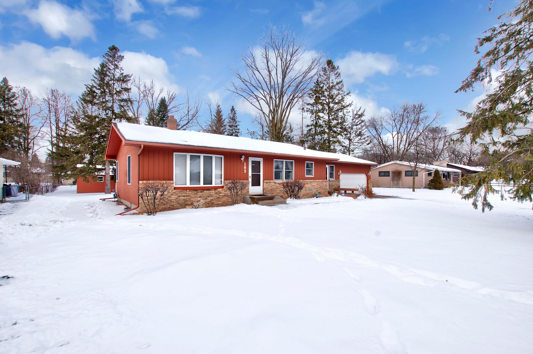 285 Lion Lane Property Photo - Shoreview, MN real estate listing