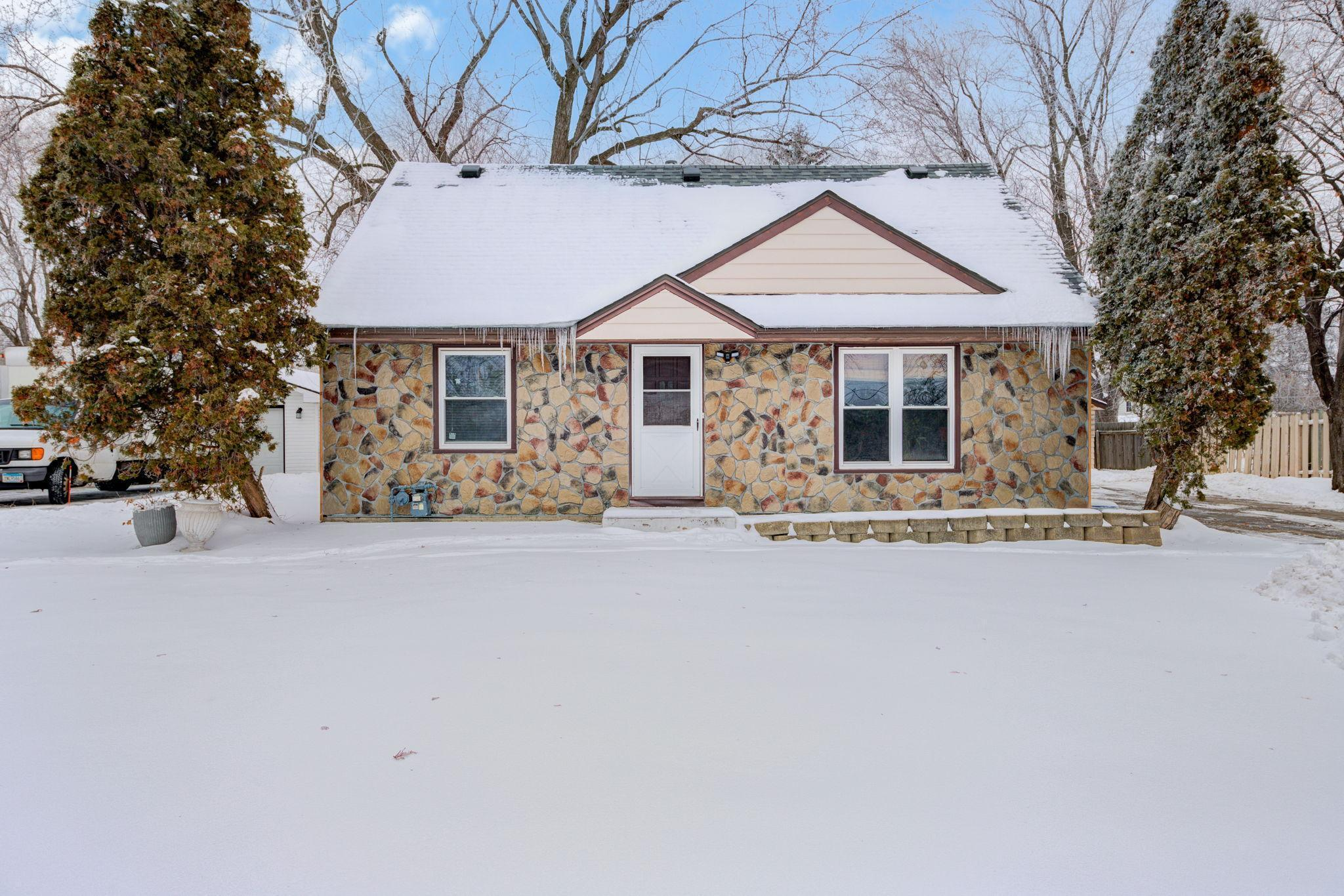 2612 W 84th Street Property Photo - Bloomington, MN real estate listing