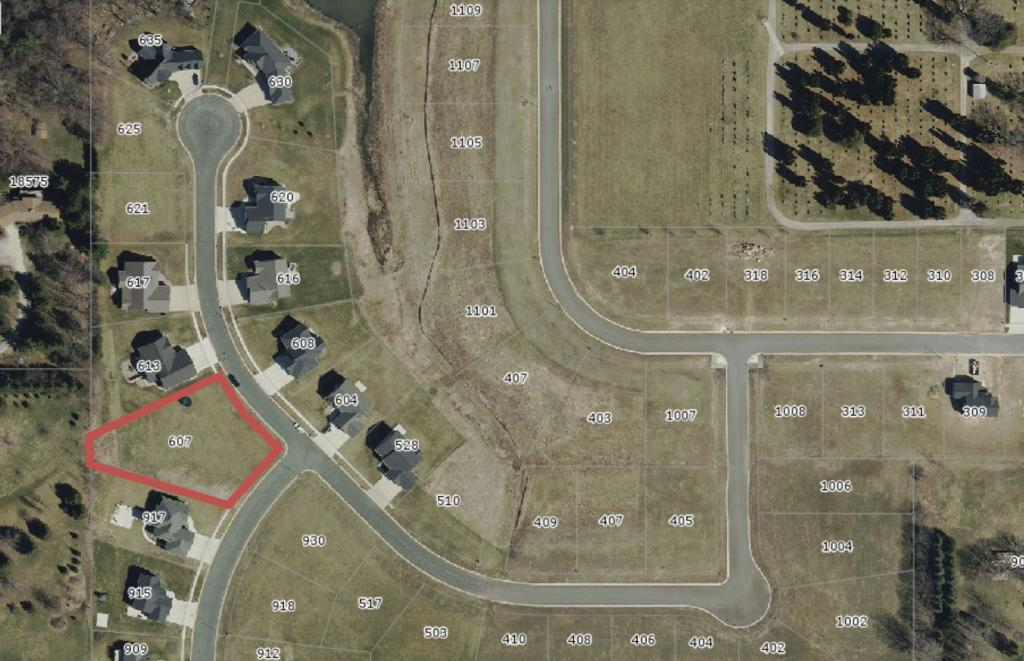 607 10th Street NW Property Photo - Dodge Center, MN real estate listing