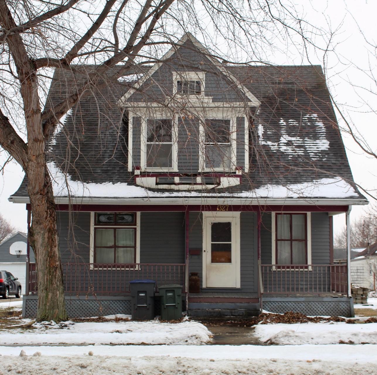 327 W Warren Street Property Photo - Luverne, MN real estate listing