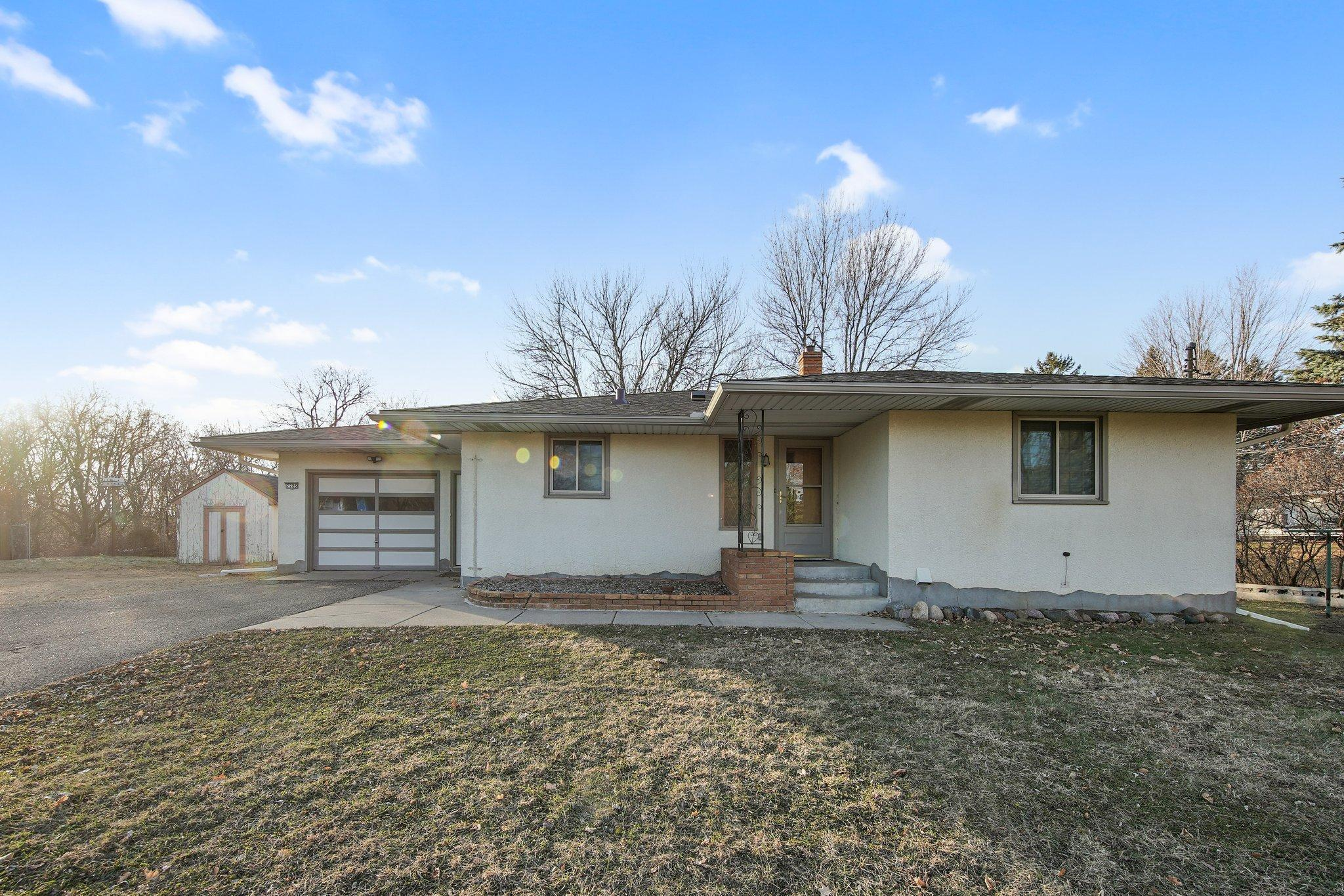 7725 Cahill Avenue Property Photo - Inver Grove Heights, MN real estate listing