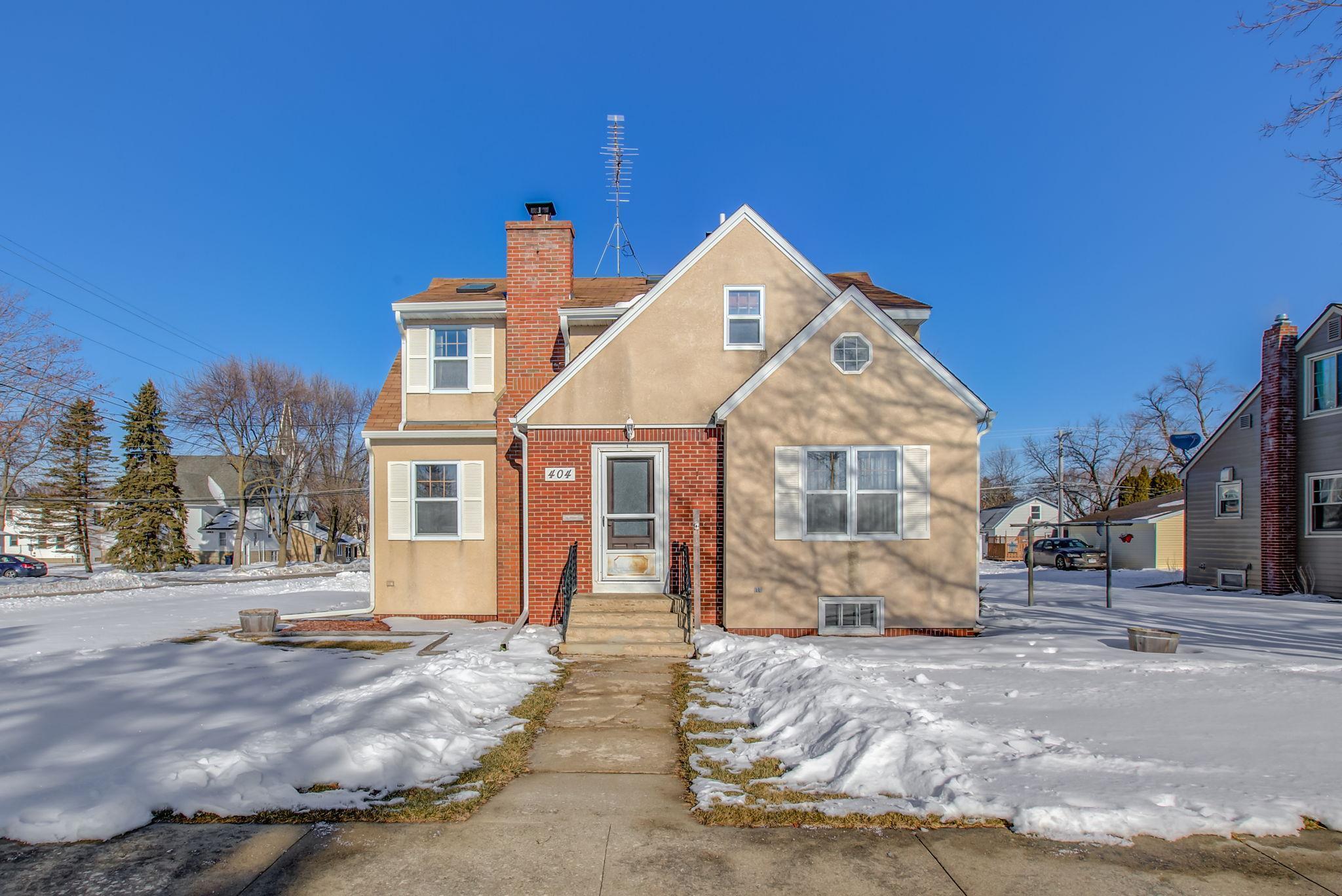 404 4th Street Property Photo - Kenyon, MN real estate listing