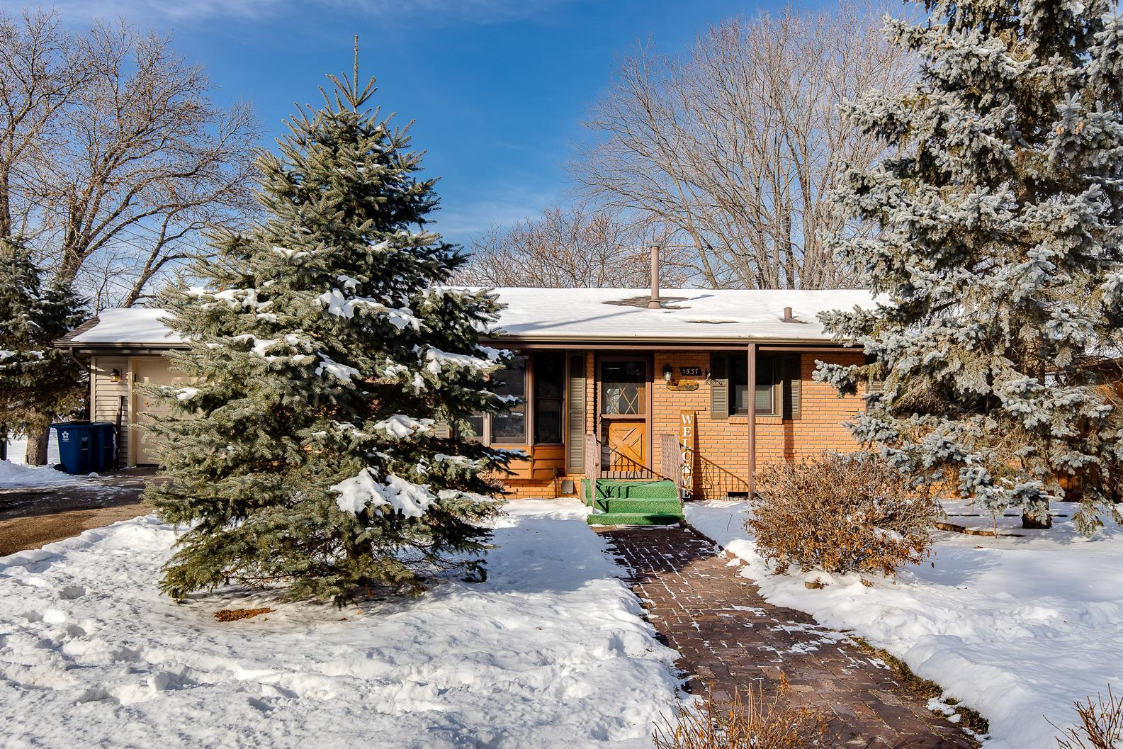 1537 Peltier Lake Drive Property Photo - Centerville, MN real estate listing