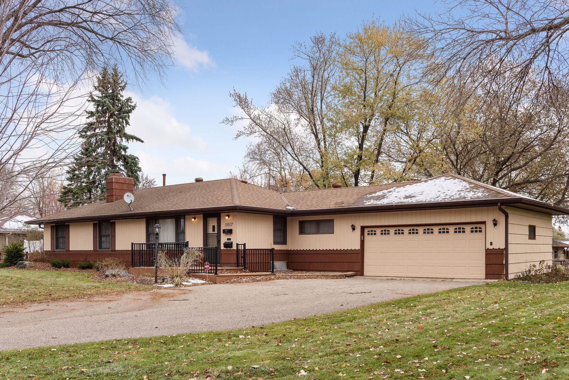 11017 Ewing Avenue S Property Photo - Bloomington, MN real estate listing