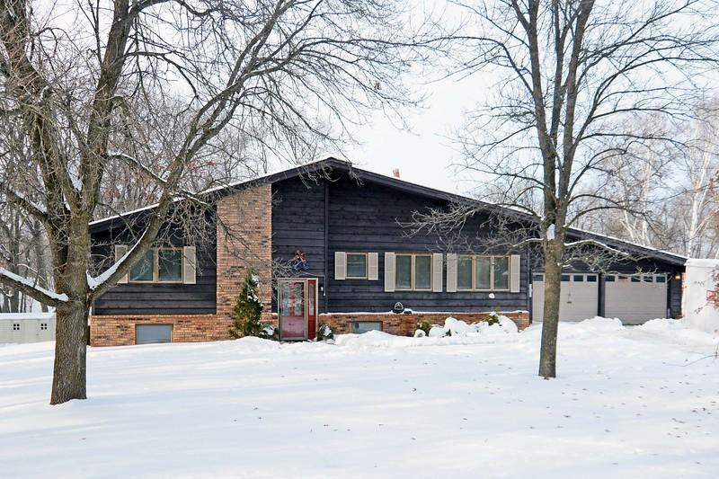 34986 6th Street NE Property Photo - Cambridge, MN real estate listing