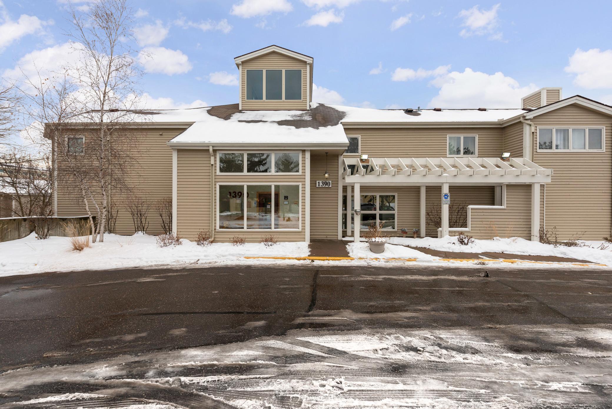 1390 Carling Drive #204 Property Photo - Saint Paul, MN real estate listing