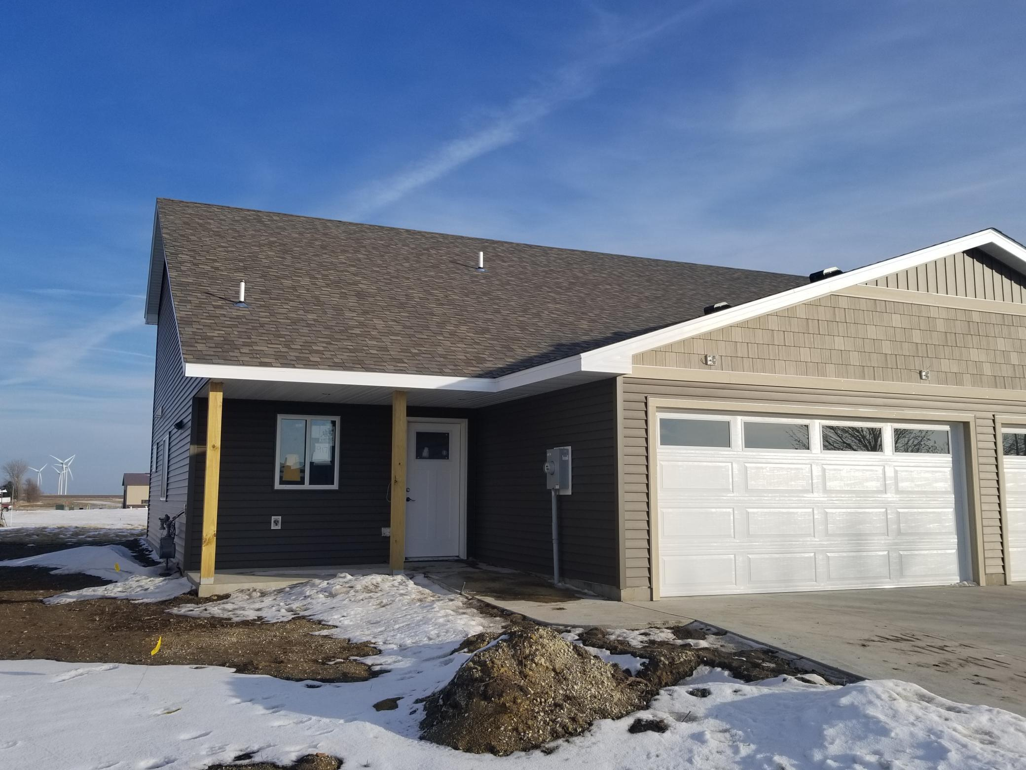 917 3rd Avenue SE Property Photo - Hayfield, MN real estate listing