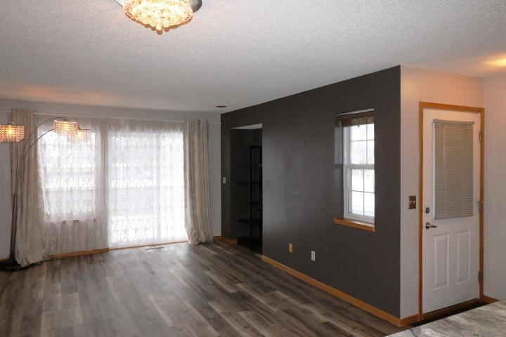 At Parkers Real Estate Listings Main Image