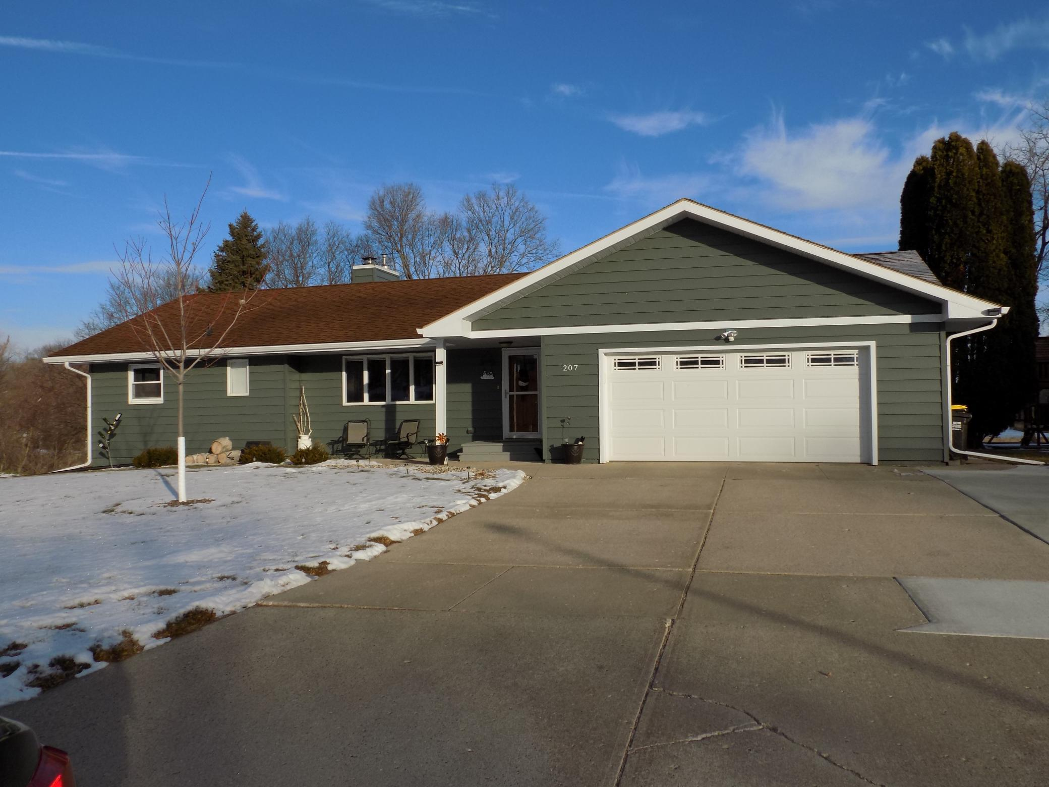 207 Stade Lane Property Photo - Fairmont, MN real estate listing