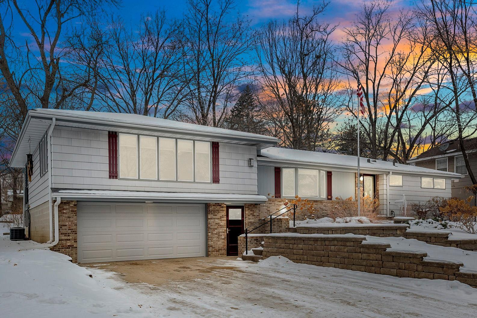 10924 Russell Avenue S Property Photo - Bloomington, MN real estate listing