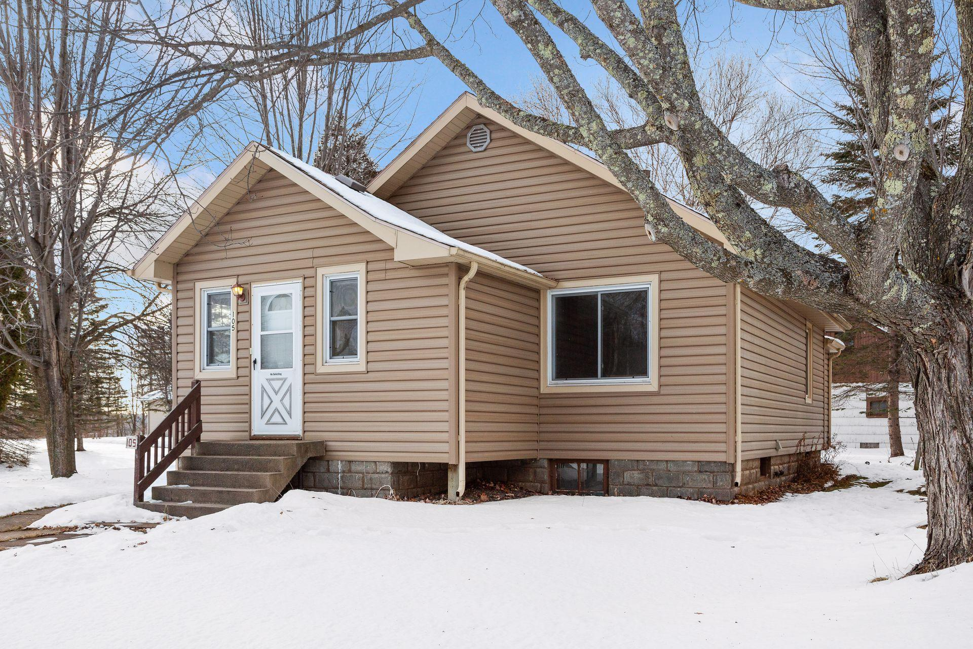 105 98th Avenue W Property Photo - Duluth, MN real estate listing