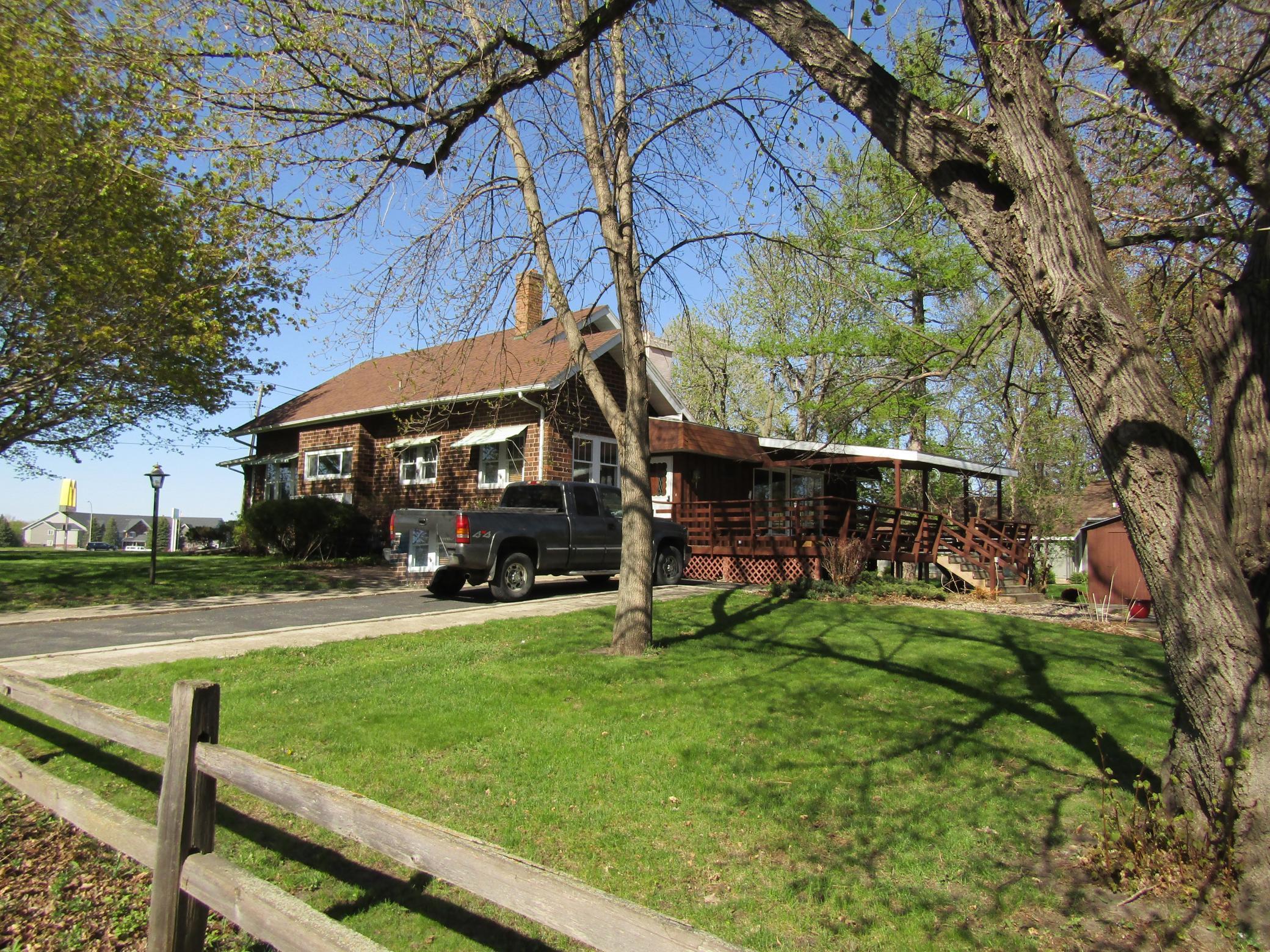 1810 Black Oak Avenue Property Photo 1