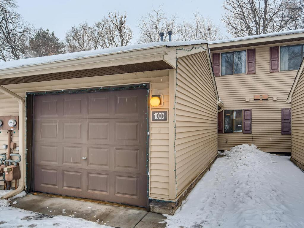 100 South Drive #D Property Photo - Circle Pines, MN real estate listing