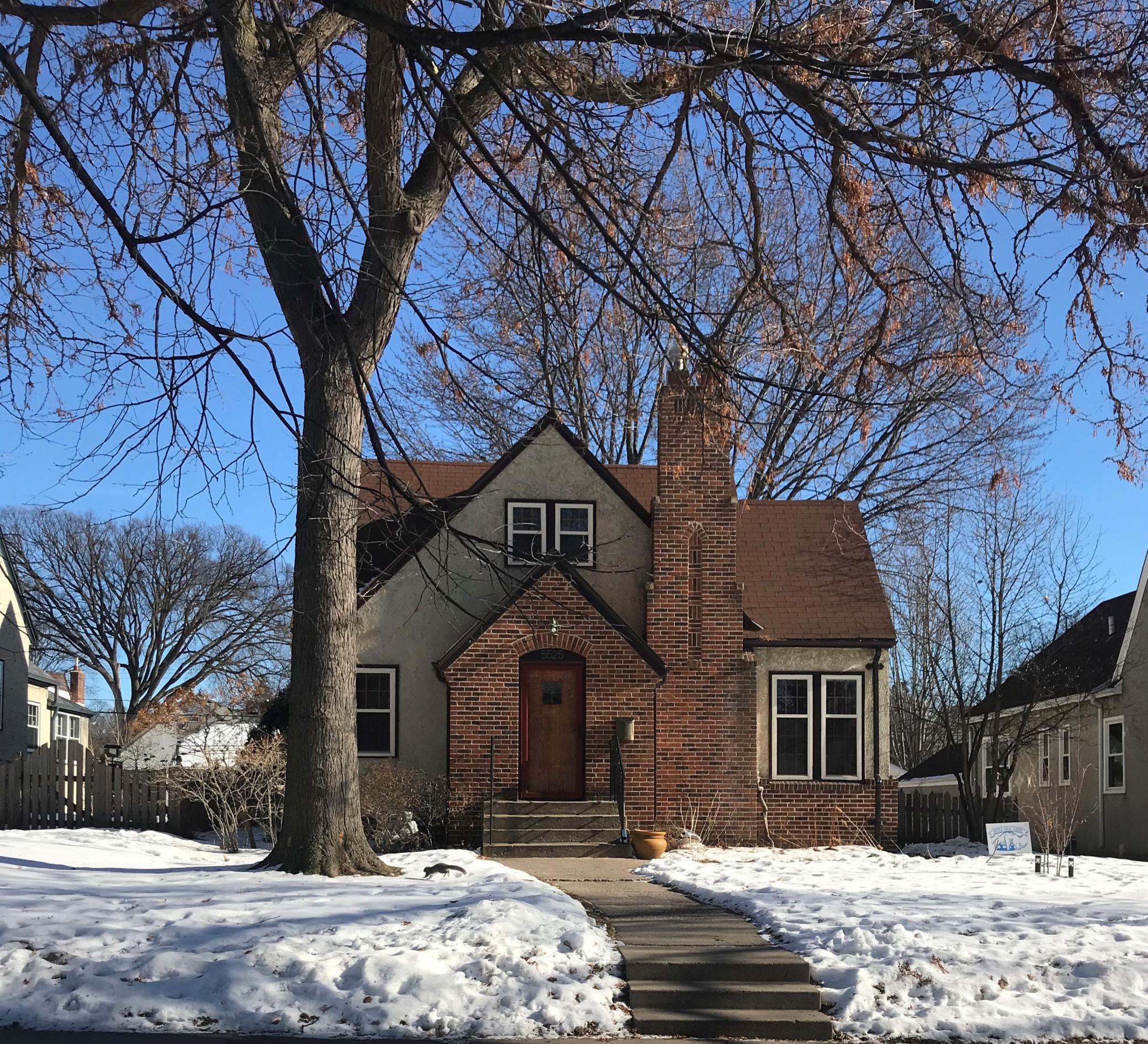 5525 Elliot Avenue Property Photo