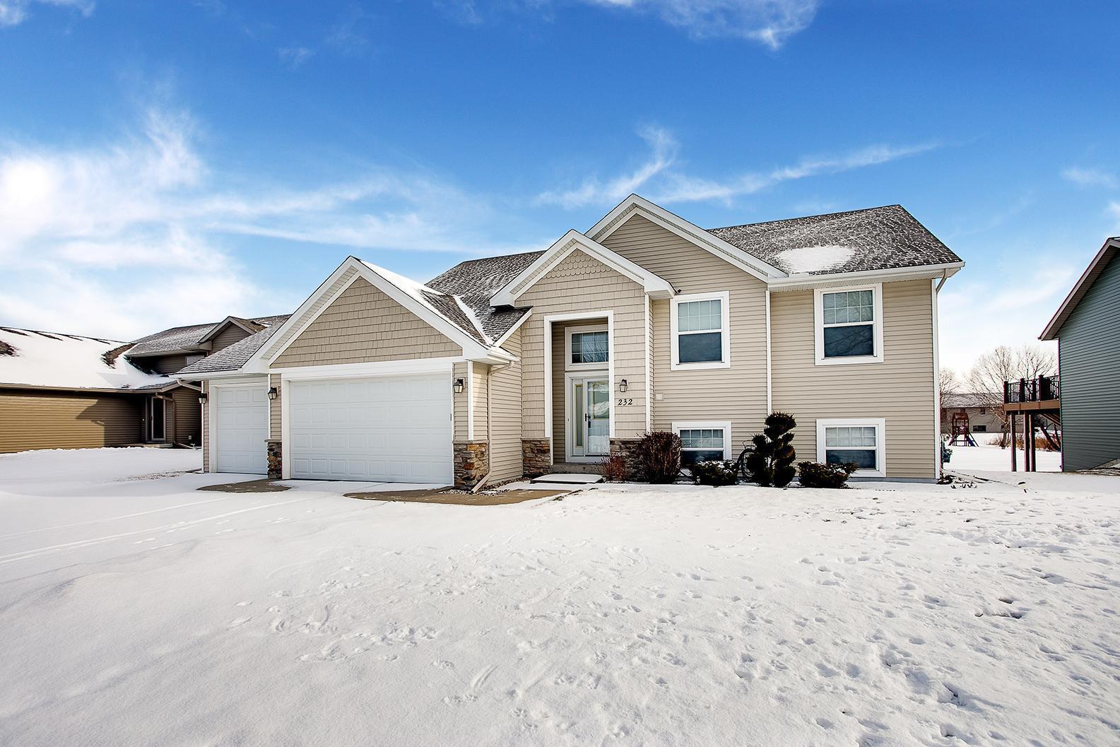 56024 Real Estate Listings Main Image