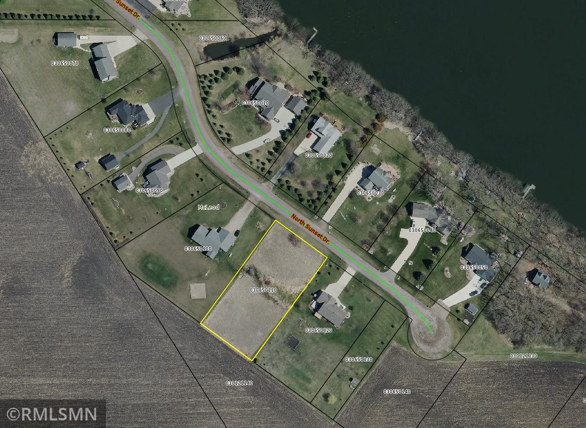 Bentz Shores Real Estate Listings Main Image
