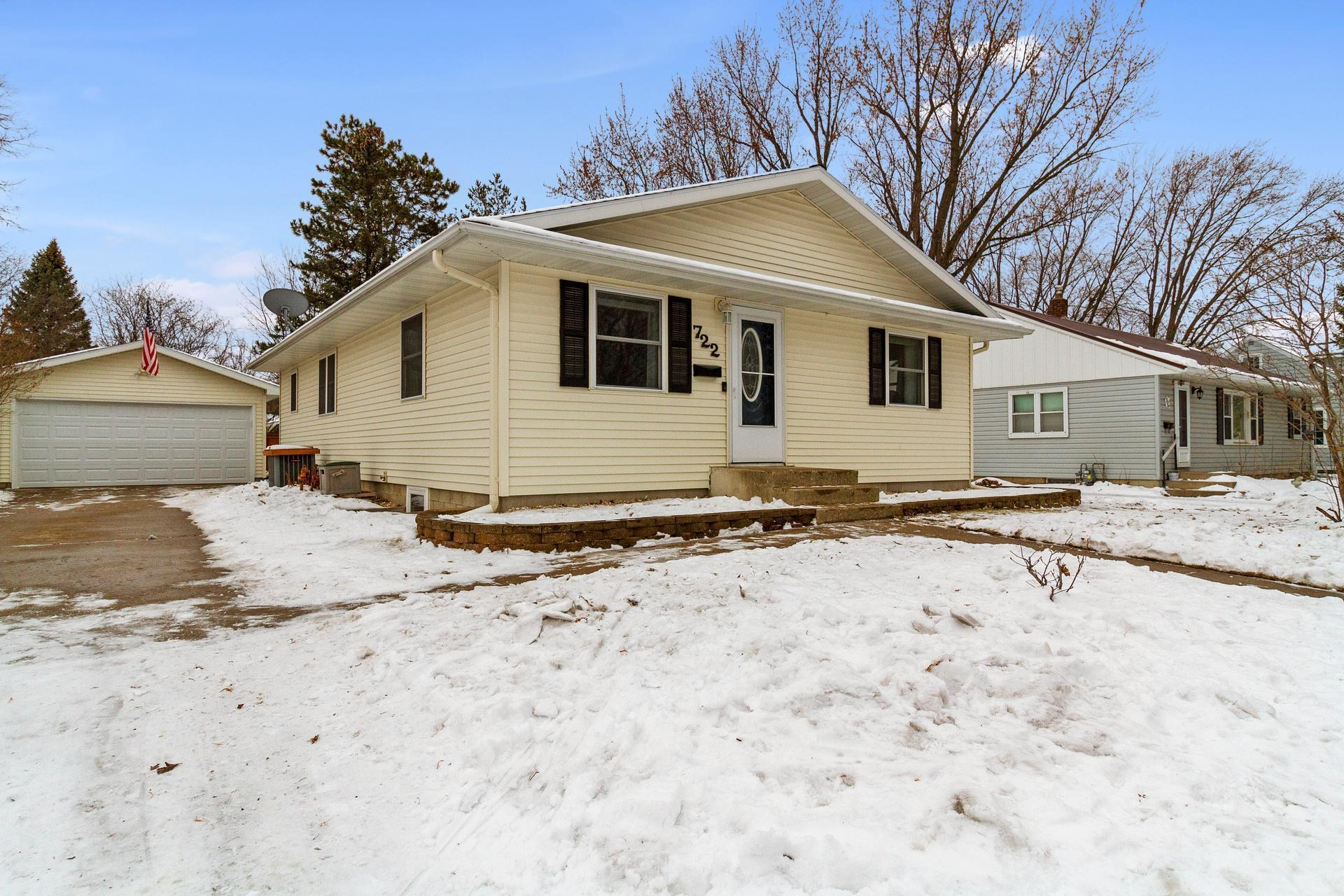 722 E 4th Street Property Photo - Litchfield, MN real estate listing