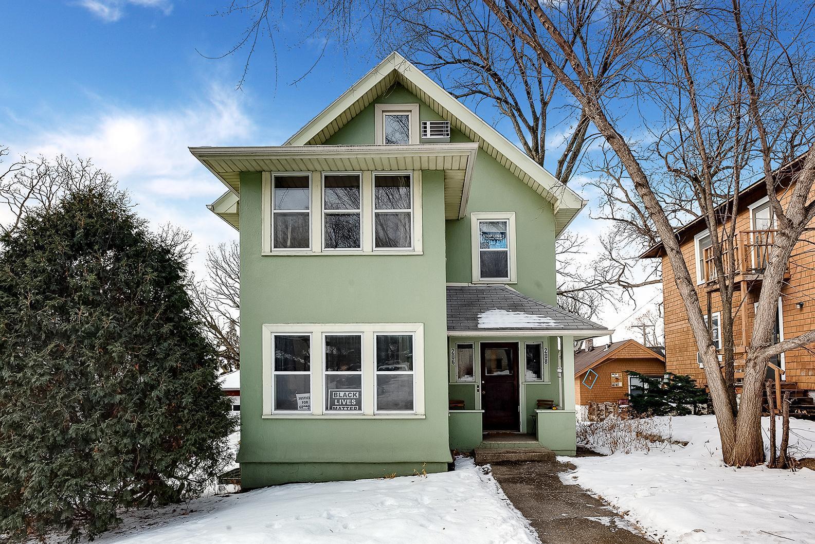 206 Warwick Street SE Property Photo - Minneapolis, MN real estate listing