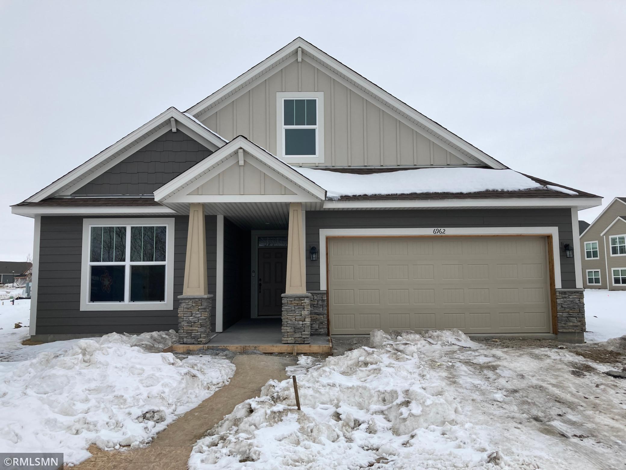 6962 Lakewood Drive NE Property Photo - Albertville, MN real estate listing