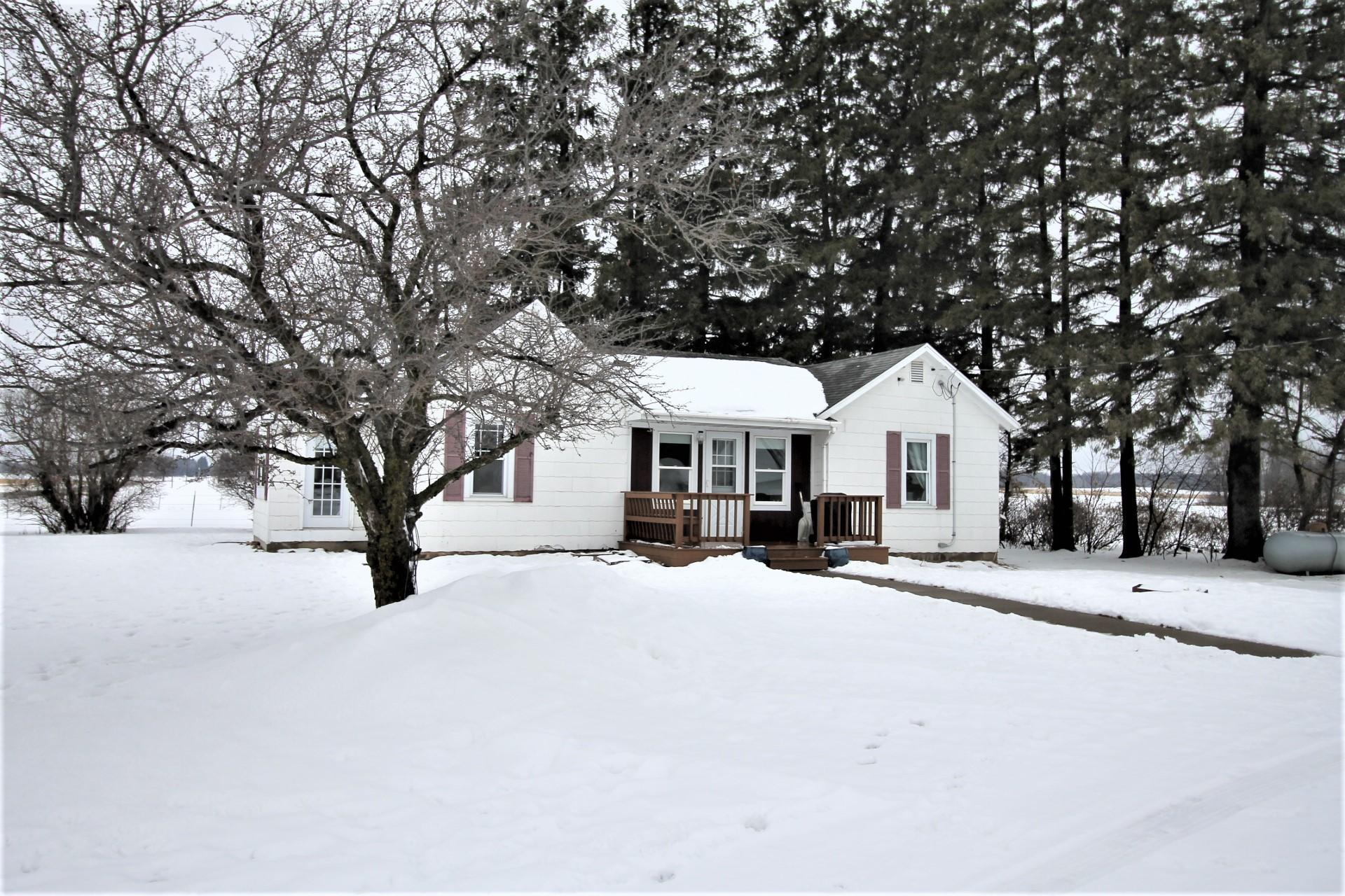 1094 23 1/2 Avenue Property Photo - Cumberland Twp, WI real estate listing