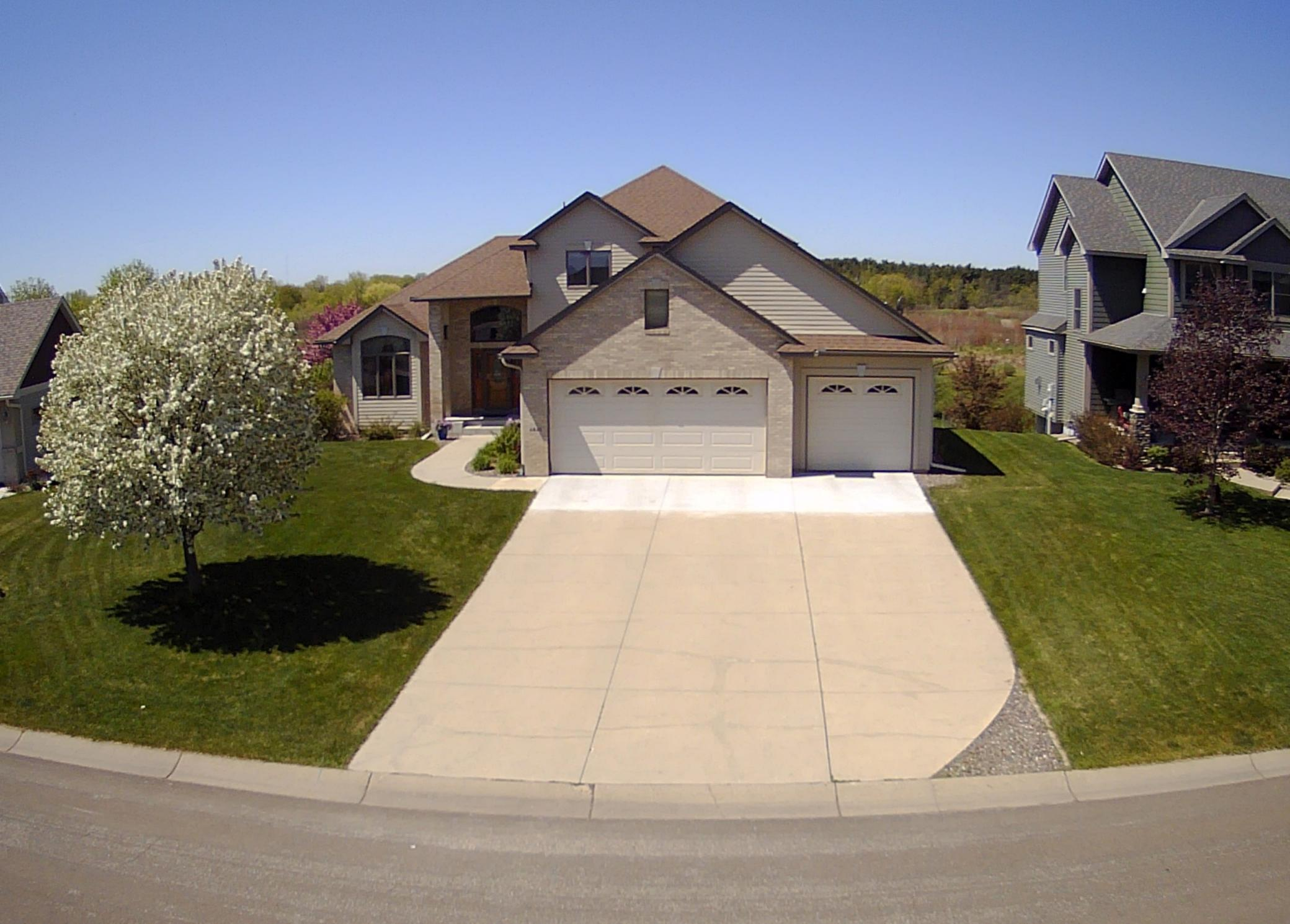 6841 Beaver Pond Way Property Photo - Centerville, MN real estate listing