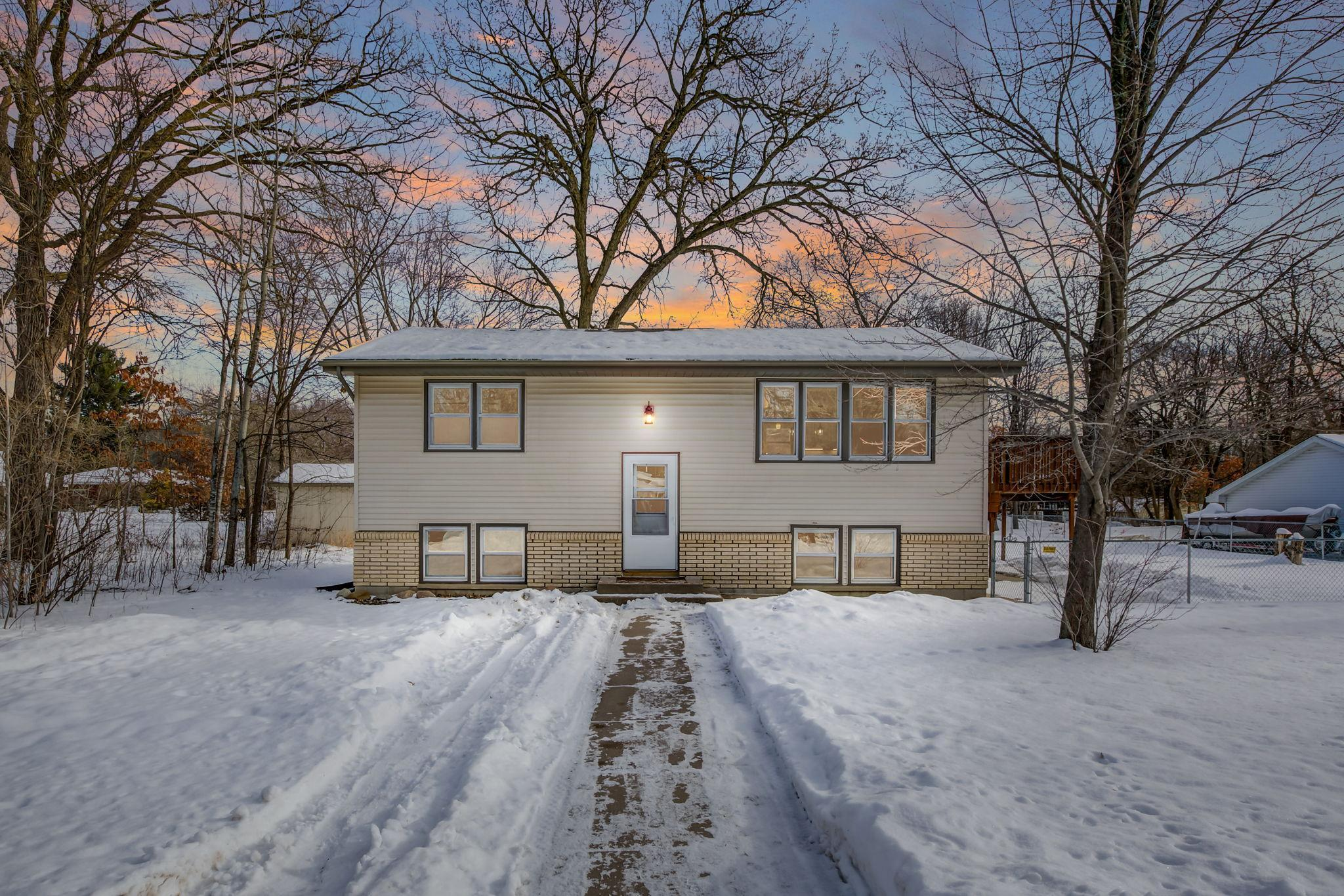22747 Danube Street NE Property Photo - Stacy, MN real estate listing
