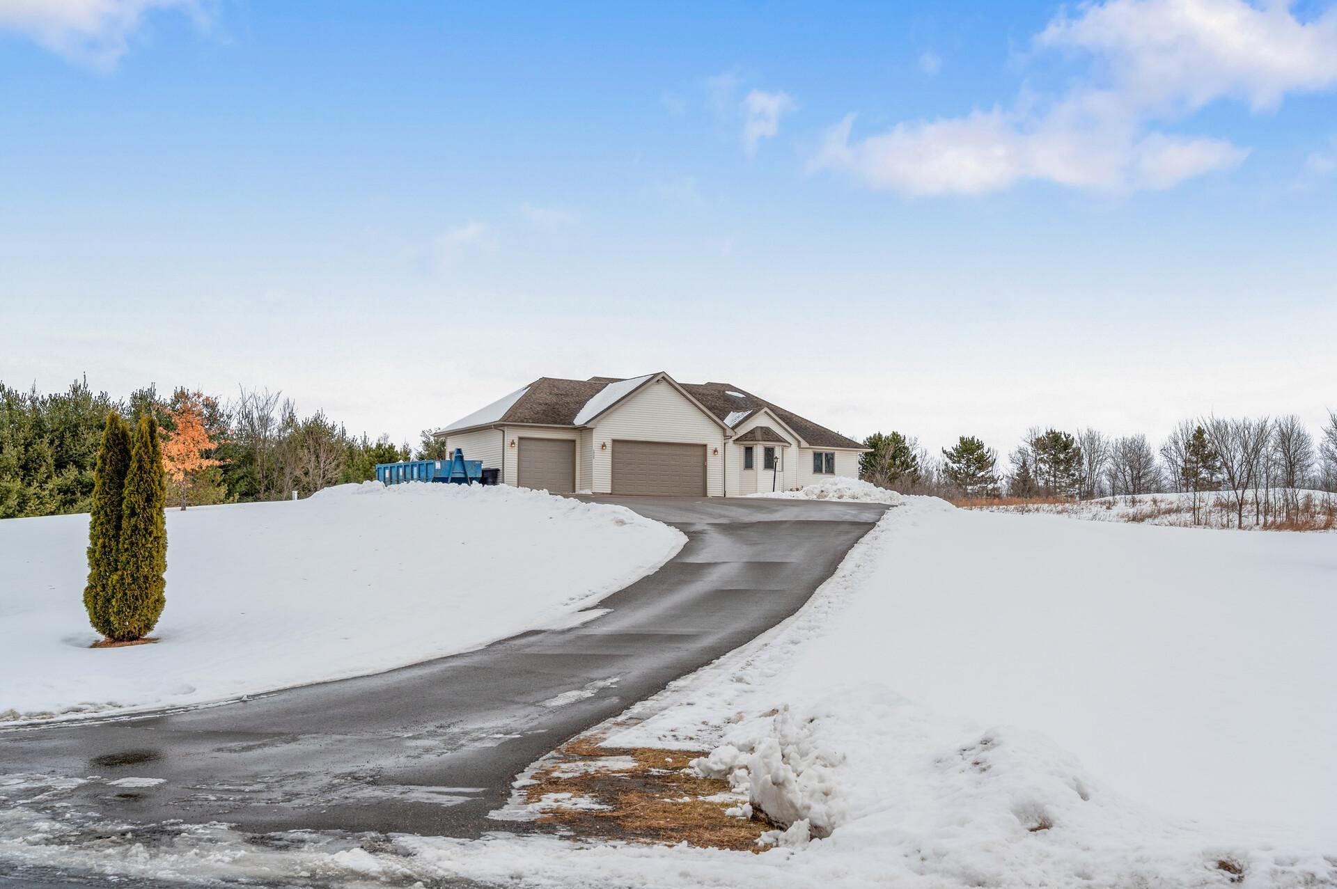 28259 Quarry Drive Property Photo - Center City, MN real estate listing