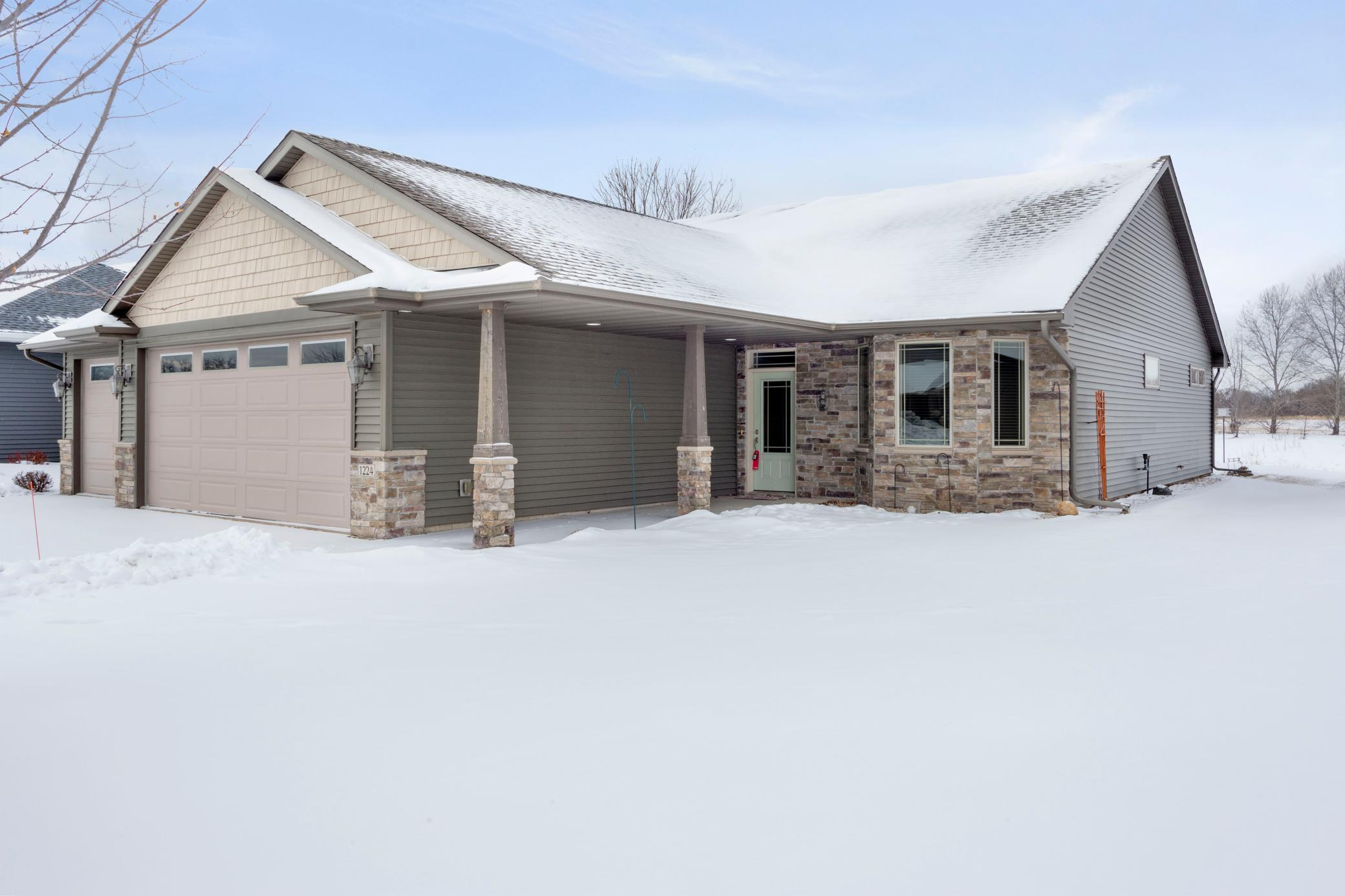 1224 Cypress Drive W Property Photo - Annandale, MN real estate listing