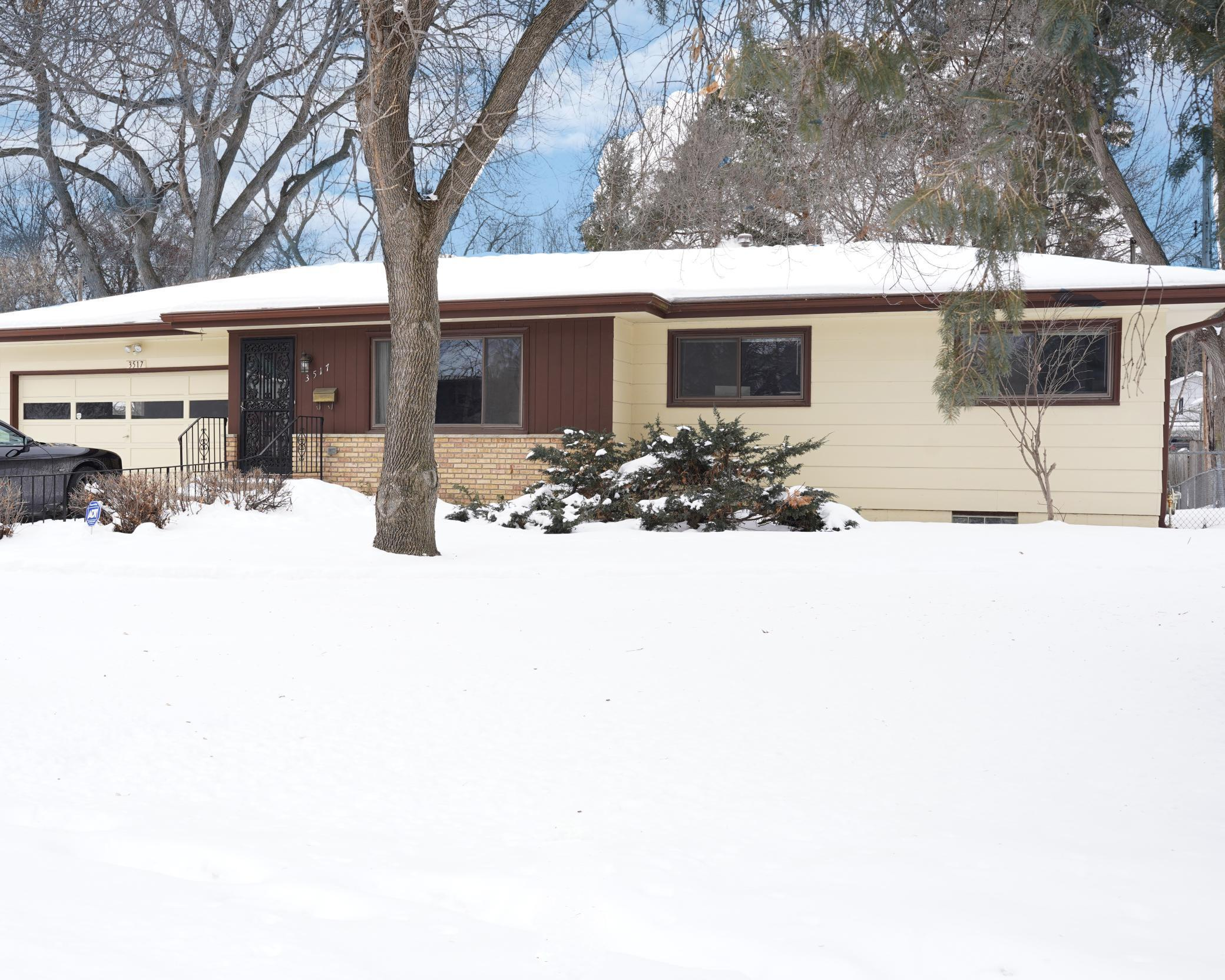 3517 Xenia Avenue N Property Photo - Crystal, MN real estate listing
