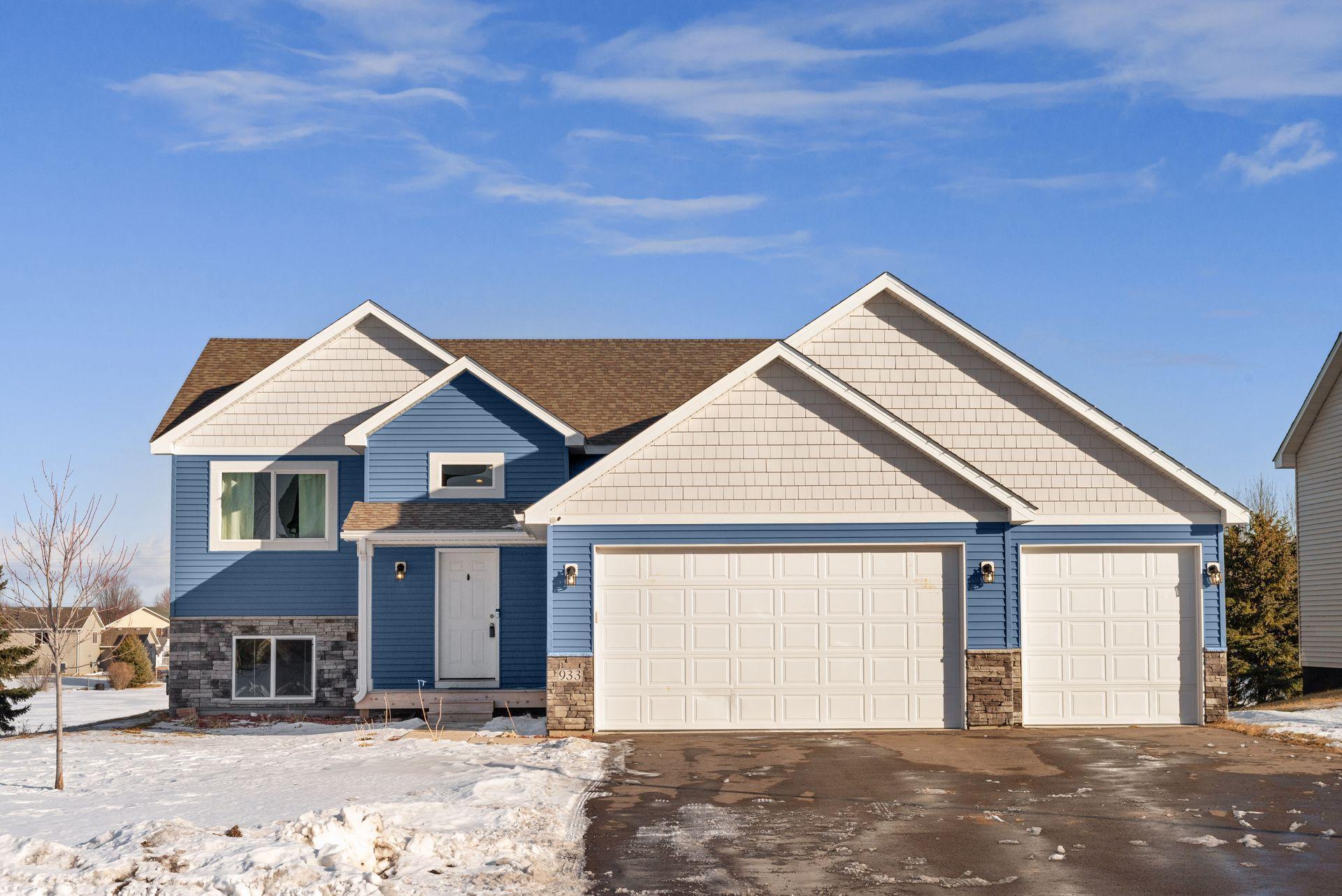 933 Cobblestone Lane Property Photo - Belle Plaine, MN real estate listing