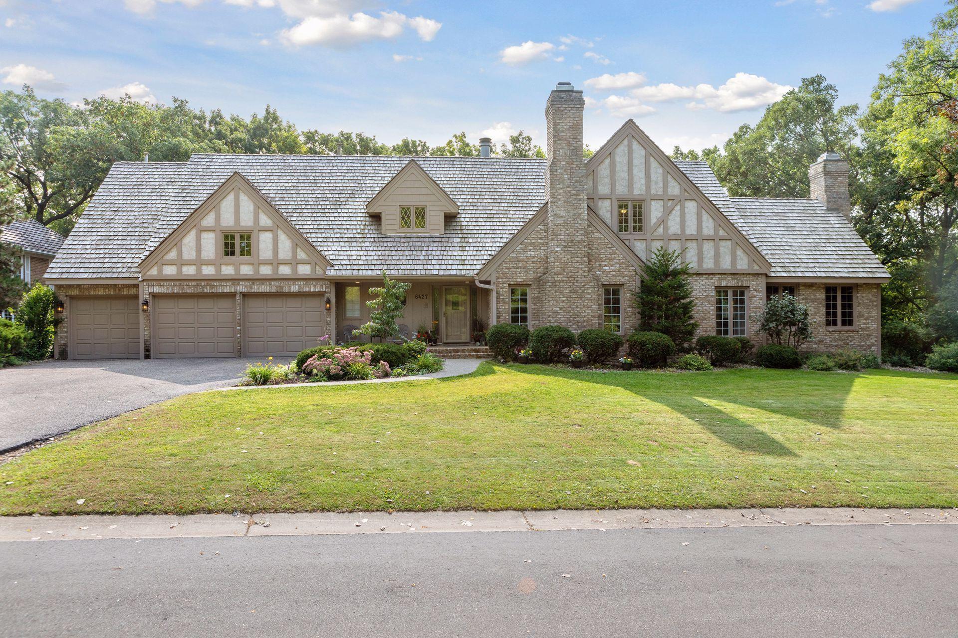 6427 Timber Ridge Property Photo
