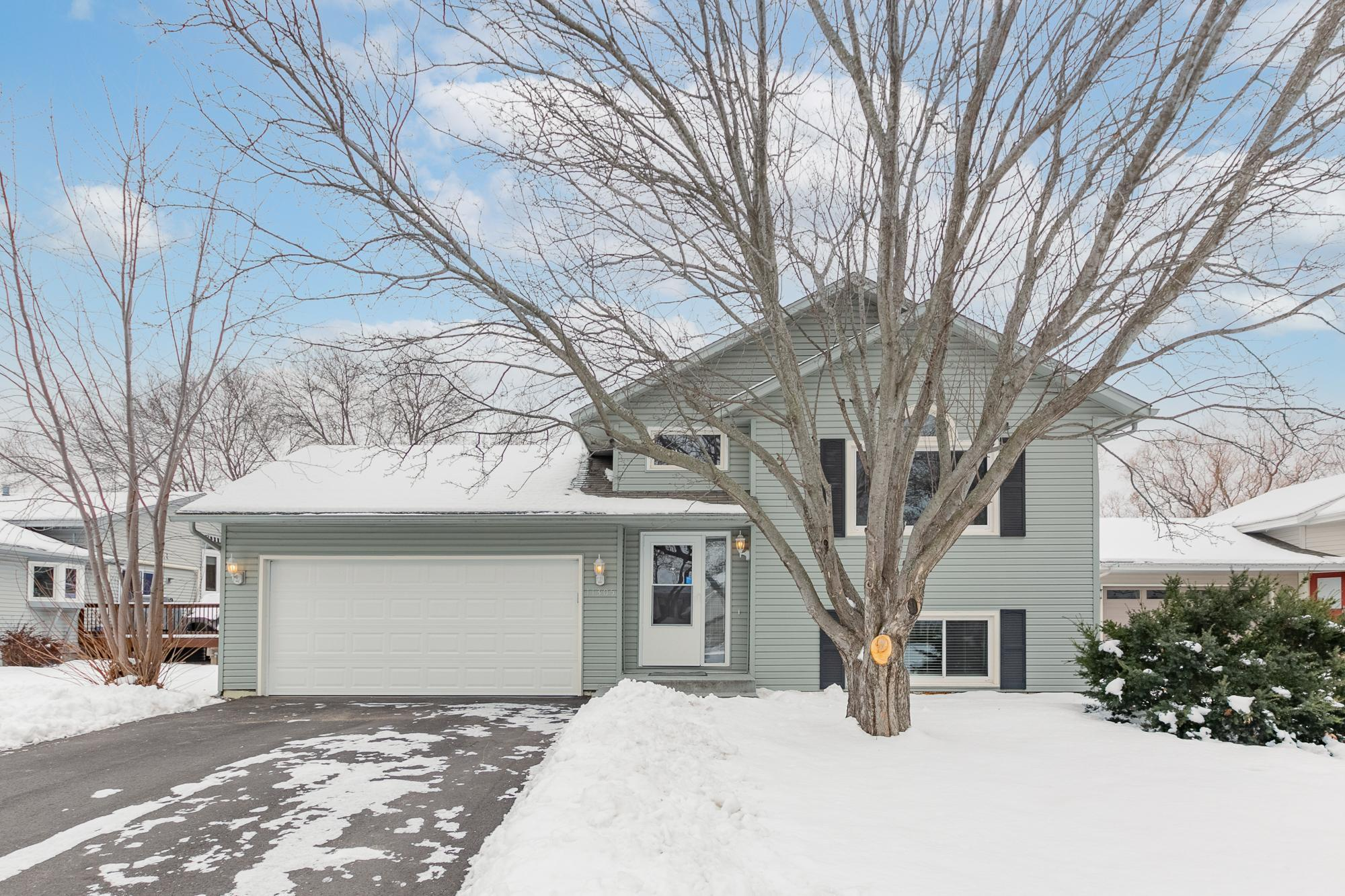 11305 48th Avenue N Property Photo - Plymouth, MN real estate listing