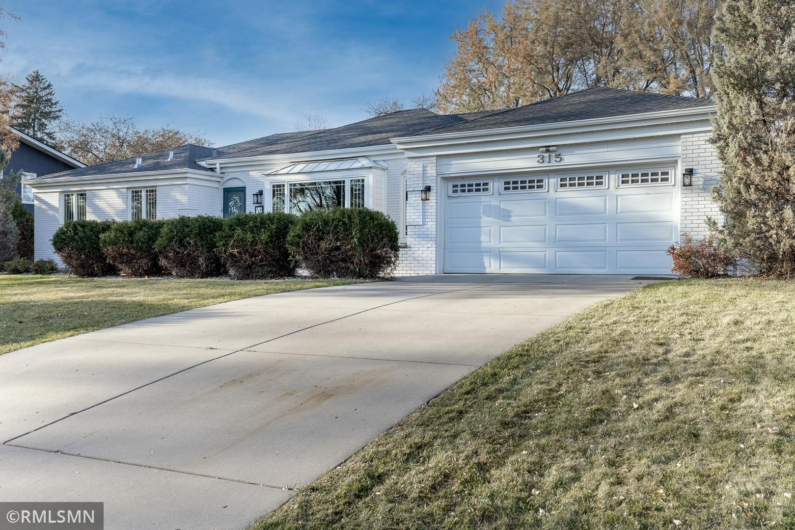 315 Clover Leaf Drive Property Photo - Golden Valley, MN real estate listing