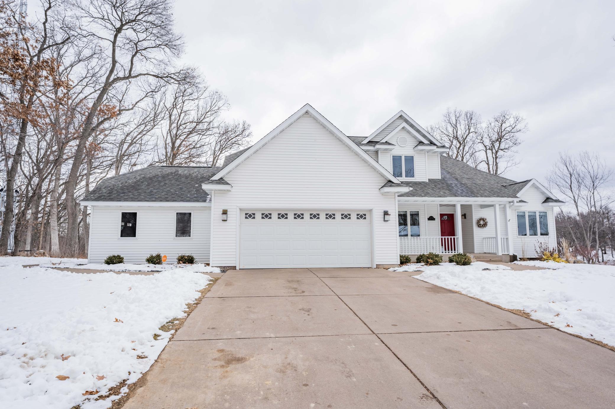 4130 Oak Knoll Drive Property Photo - Eau Claire, WI real estate listing
