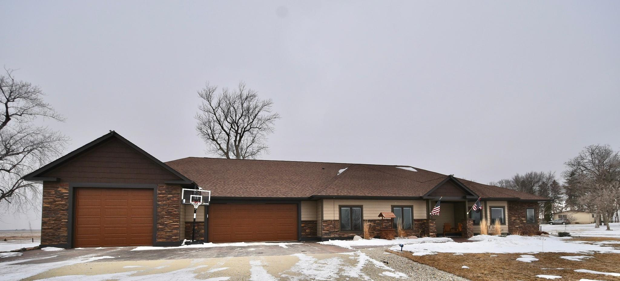 19525 610th Avenue Property Photo - Rose Creek, MN real estate listing