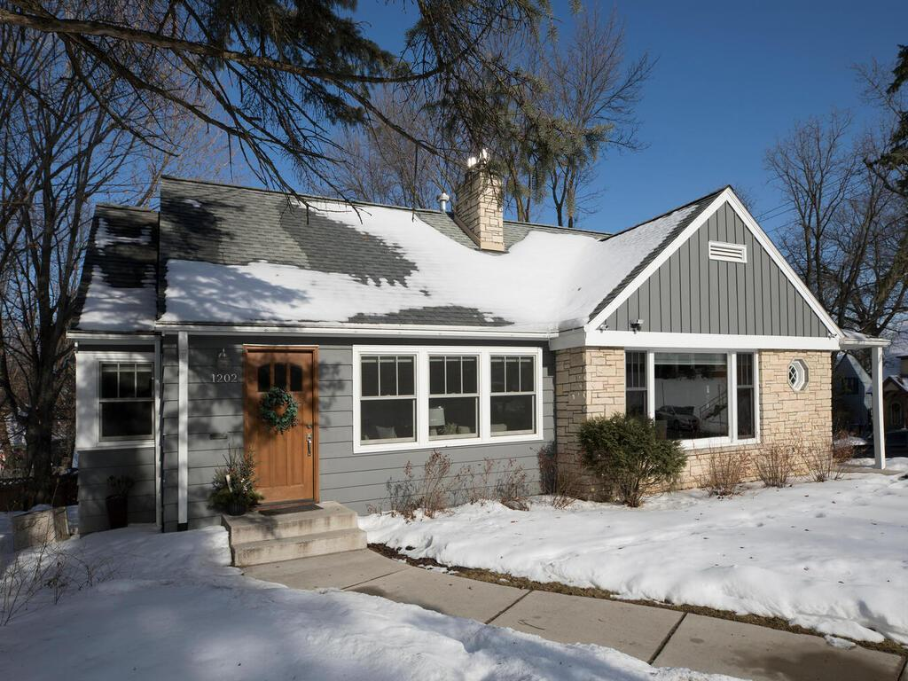 1200 Lakeview Avenue S Property Photo