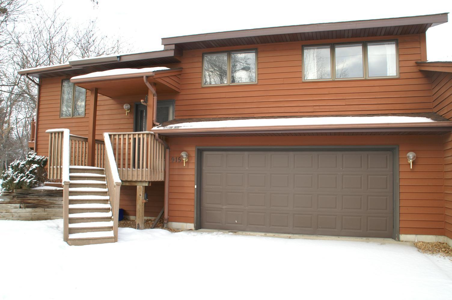 915 Queen Avenue N Property Photo - Glencoe, MN real estate listing