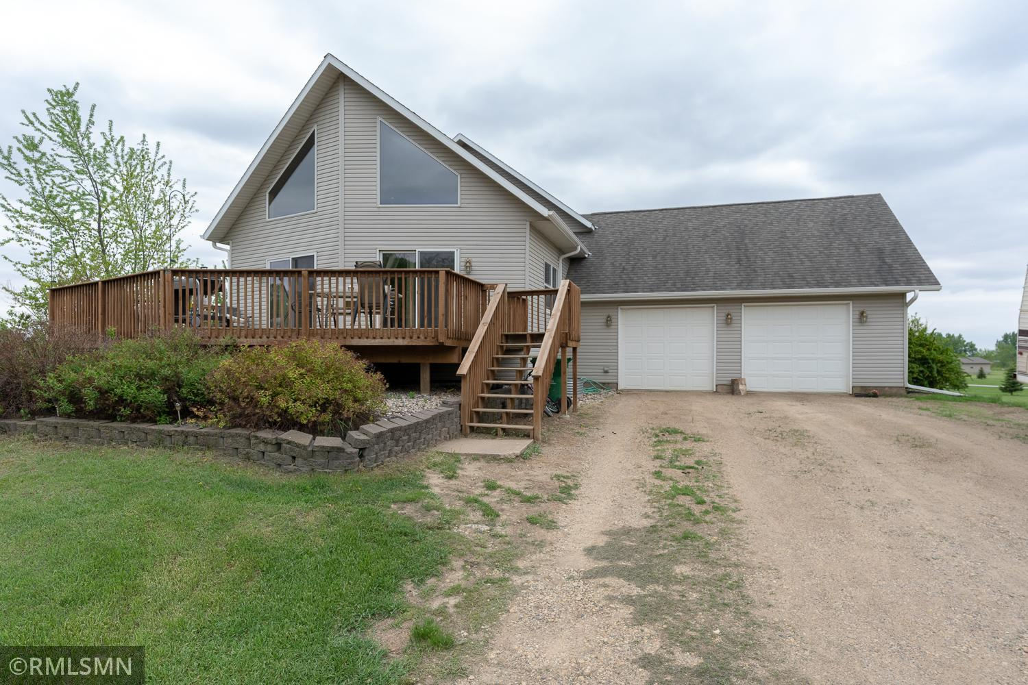 135 Woods Drive Property Photo - Le Sueur, MN real estate listing